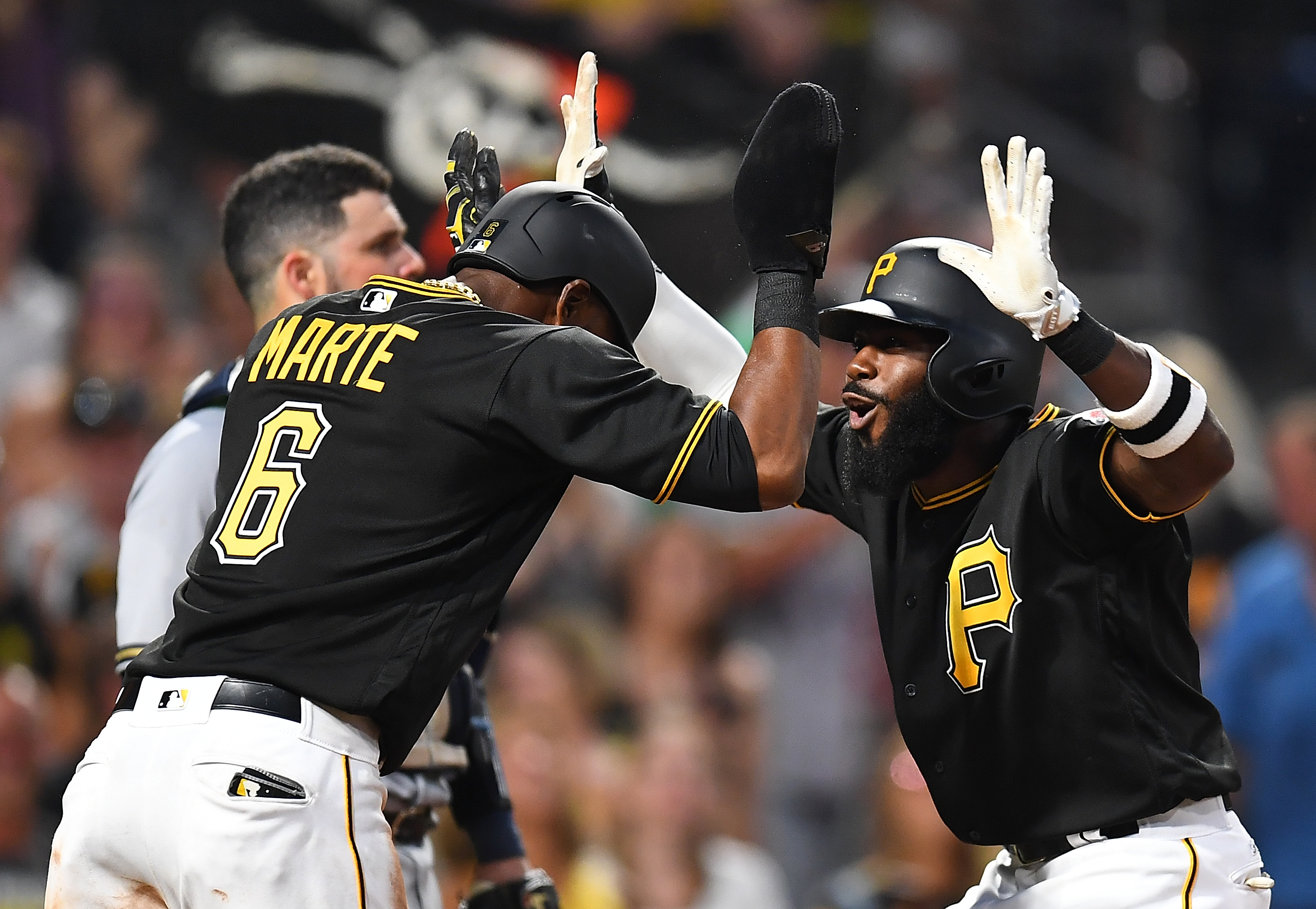 Pittsburgh Pirates: Pittsburgh Pirates Beat Brewers, Continue To Pull Closer