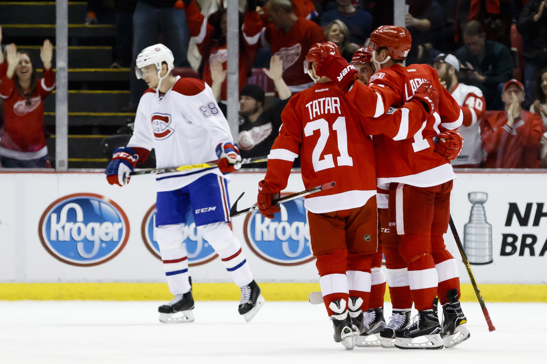 10001591-nhl-montreal-canadiens-at-detroit-red-wings