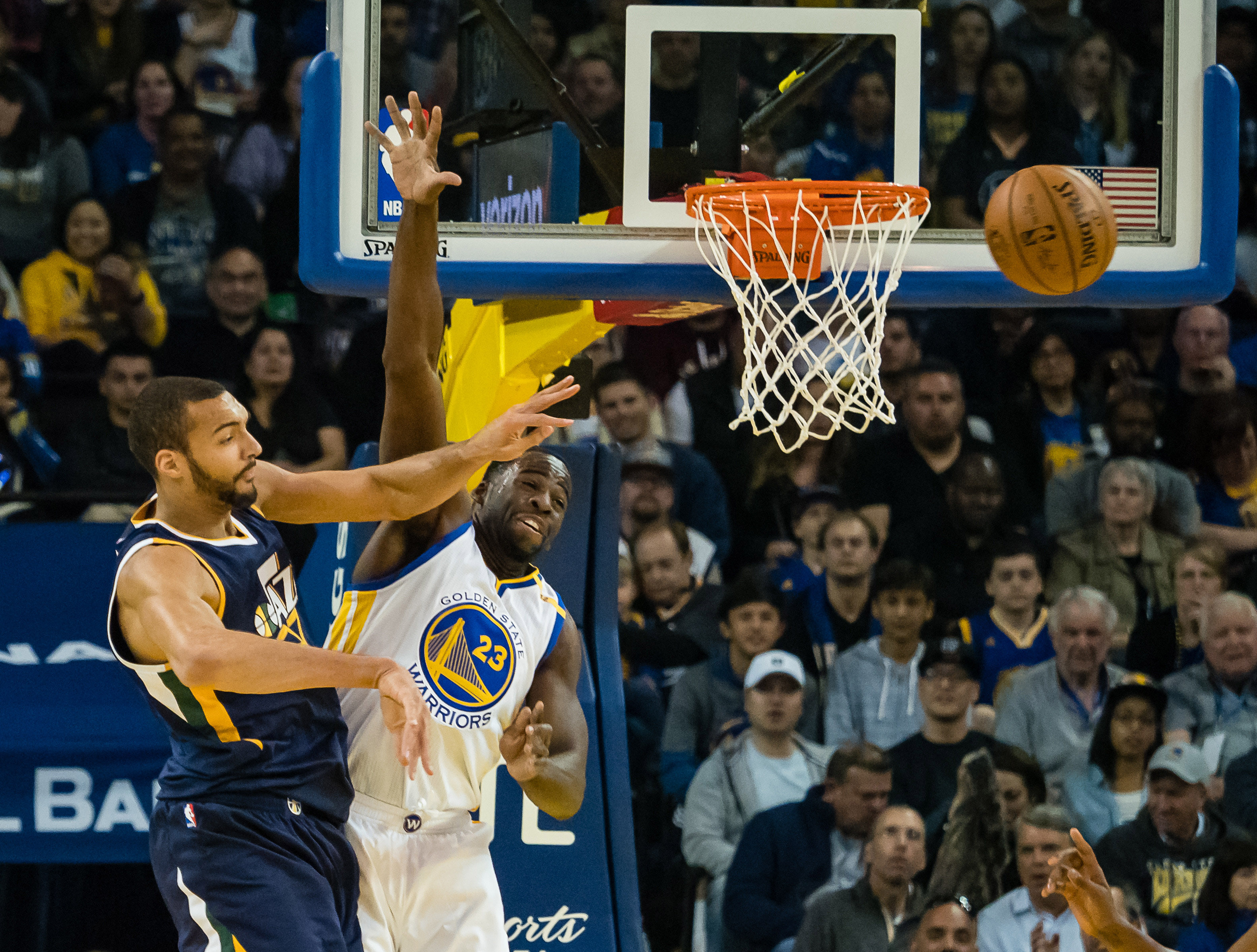 10005528-nba-utah-jazz-at-golden-state-warriors