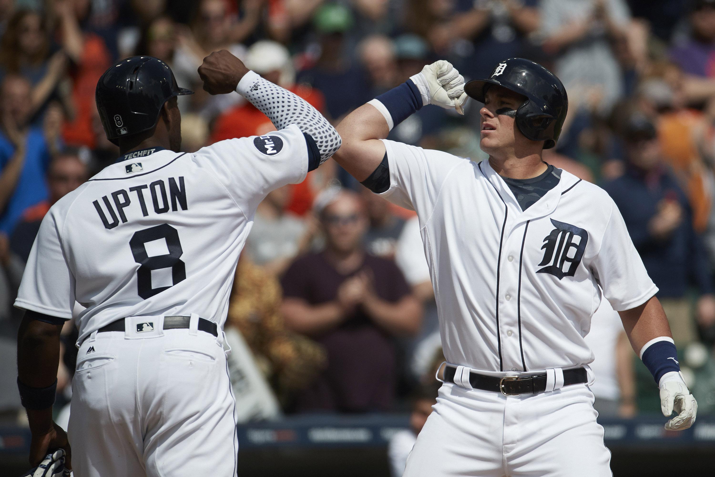 10006487-mlb-boston-red-sox-at-detroit-tigers
