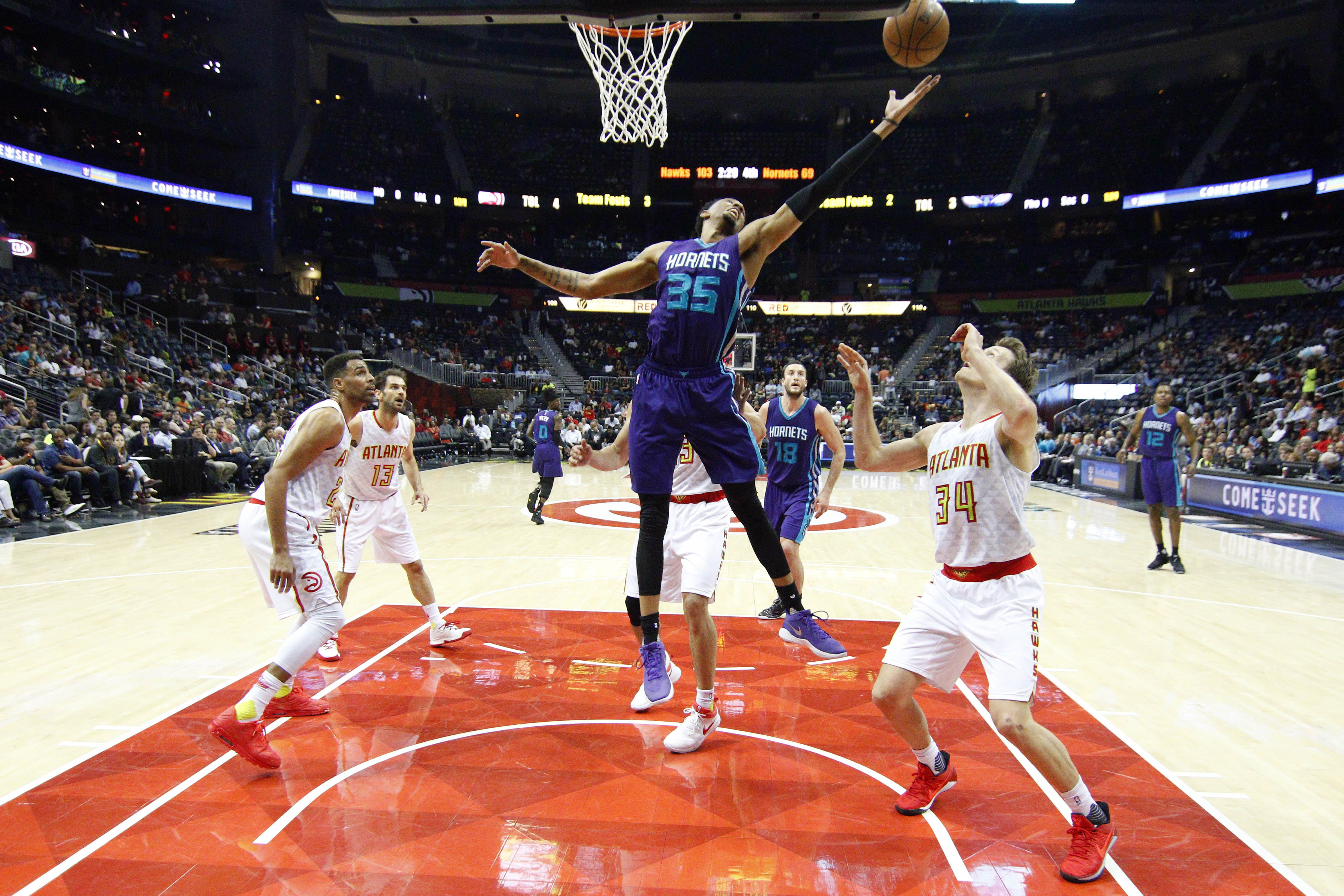 10006881-nba-charlotte-hornets-at-atlanta-hawks
