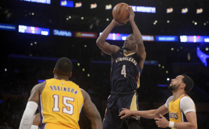 10007069-nba-new-orleans-pelicans-at-los-angeles-lakers-1-420x260