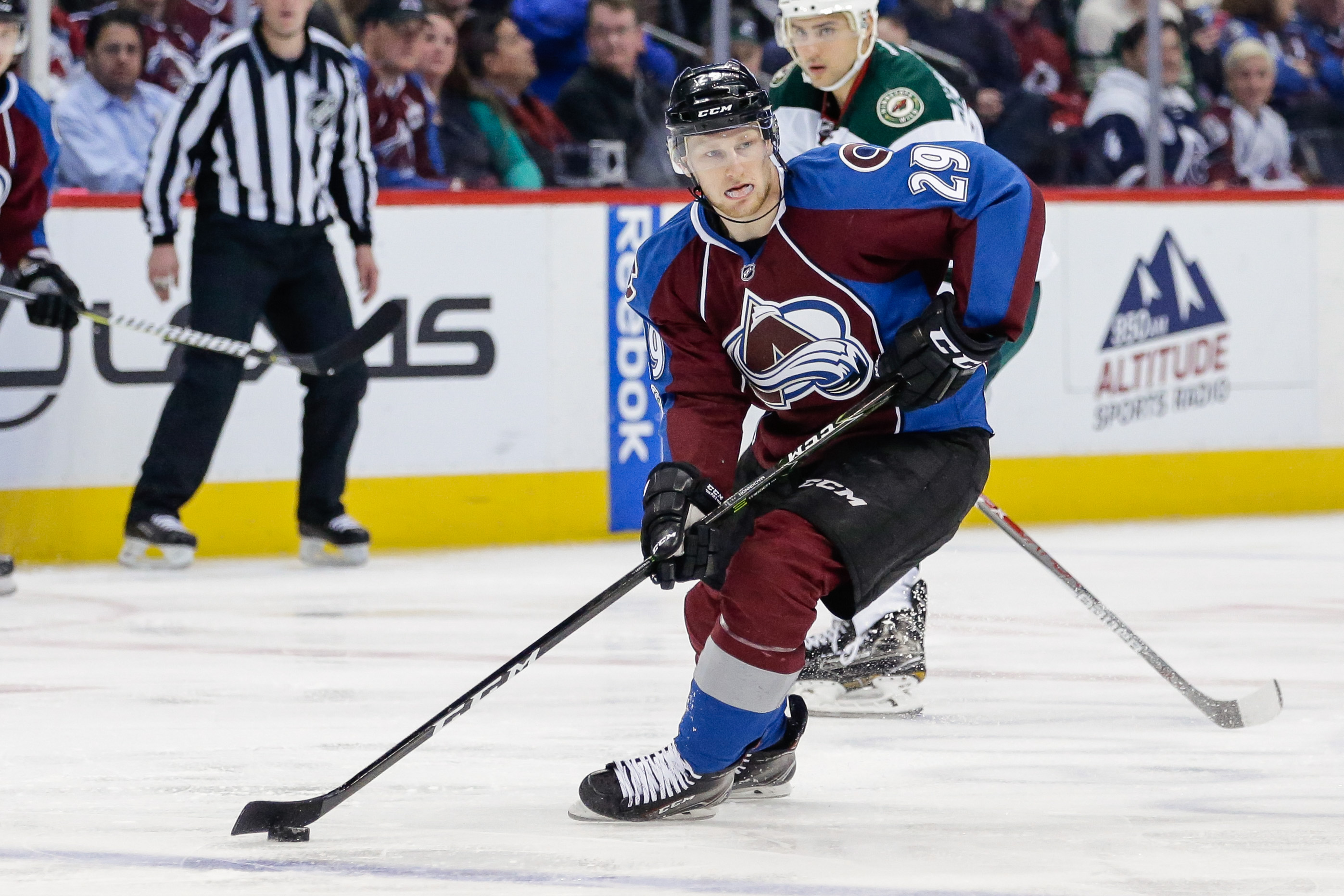 10007676-nhl-minnesota-wild-at-colorado-avalanche