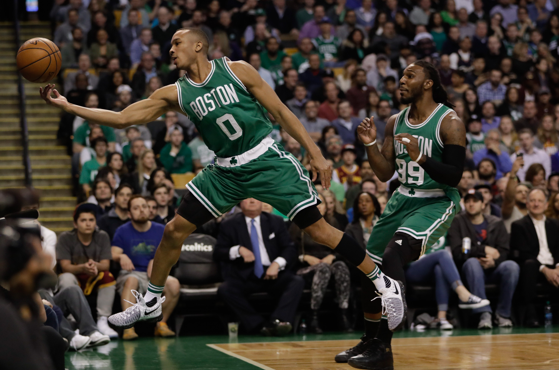 10008205-nba-cleveland-cavaliers-at-boston-celtics