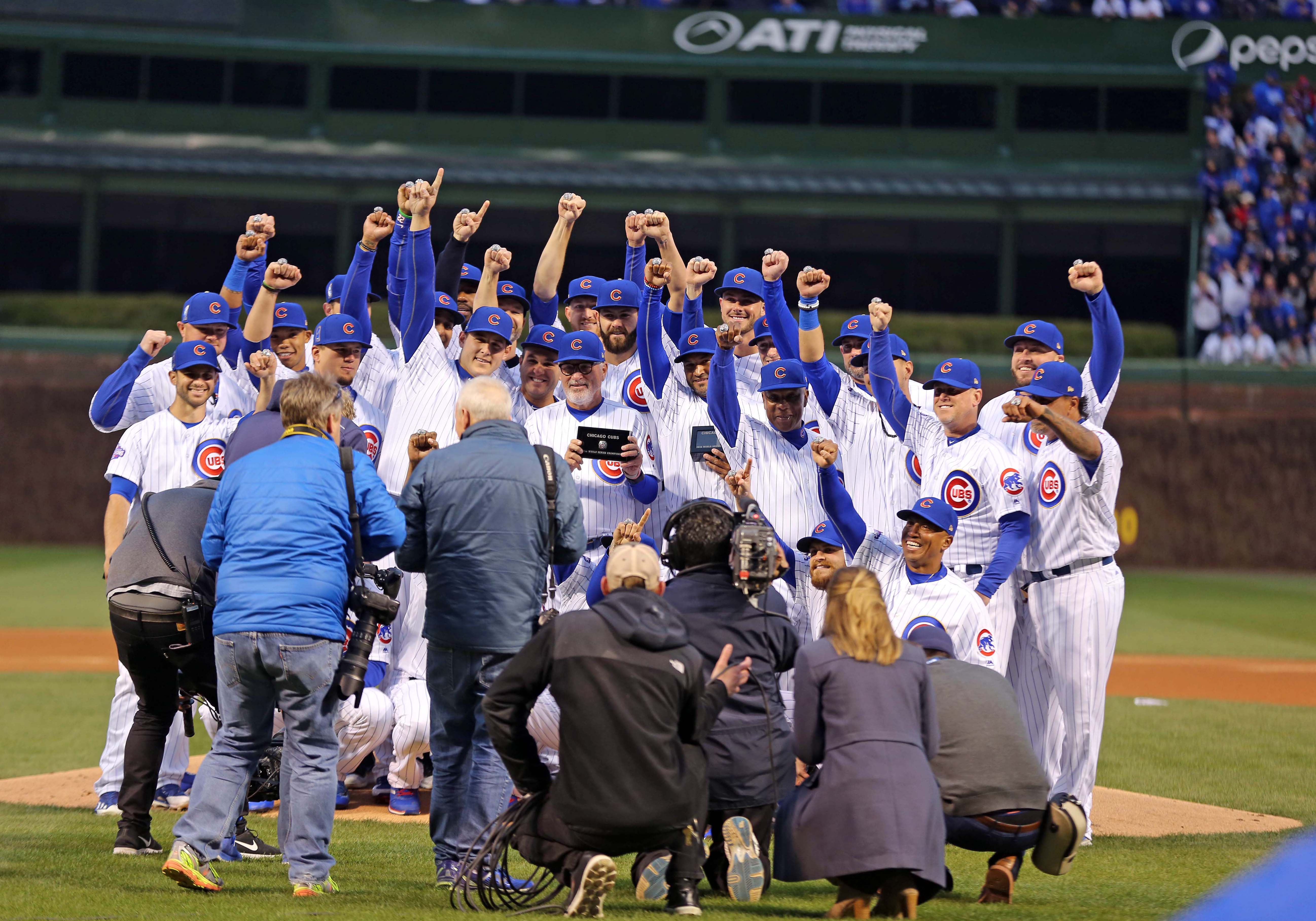 10008984-mlb-los-angeles-dodgers-at-chicago-cubs-1