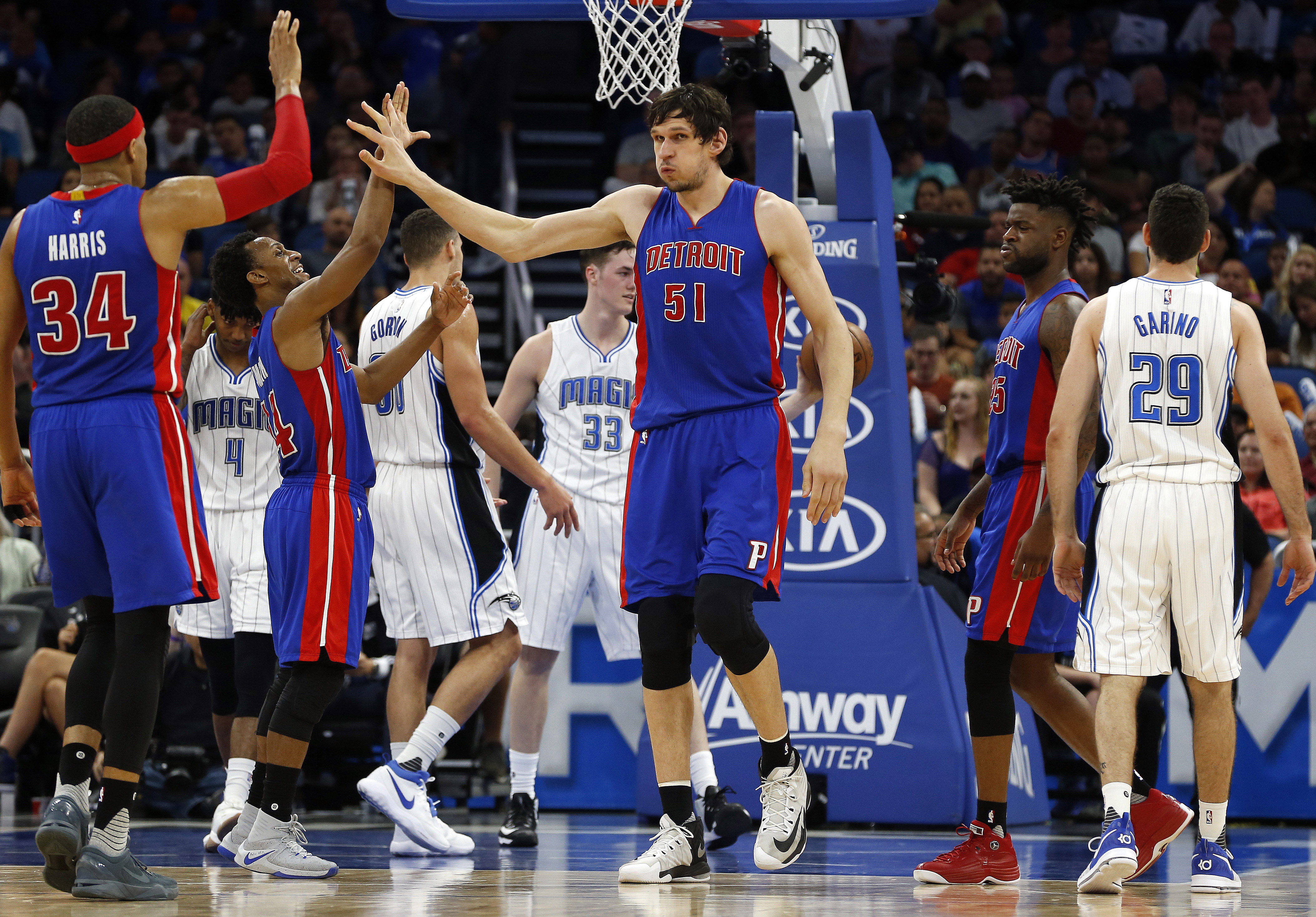 10009384-nba-detroit-pistons-at-orlando-magic