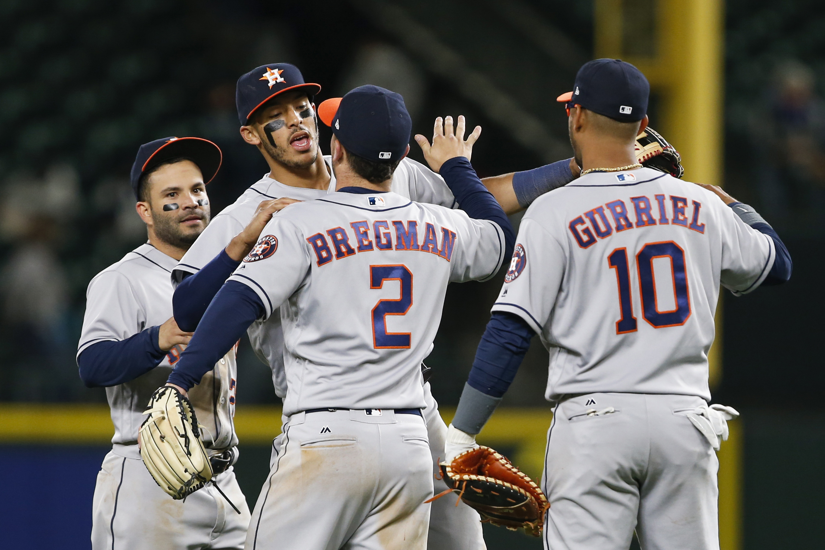 10009800-mlb-houston-astros-at-seattle-mariners