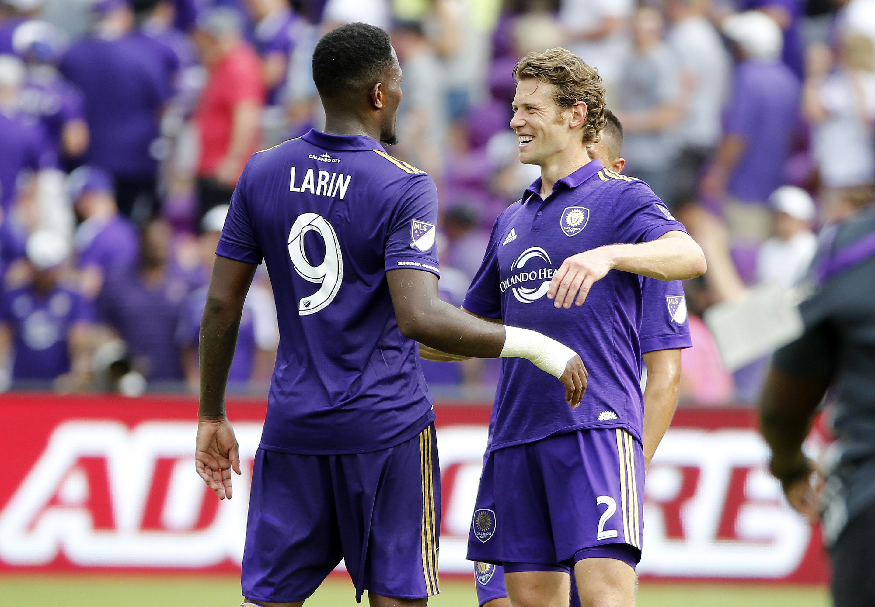 Cyle Larin scores twice, Orlando City beats NYCFC 2-1