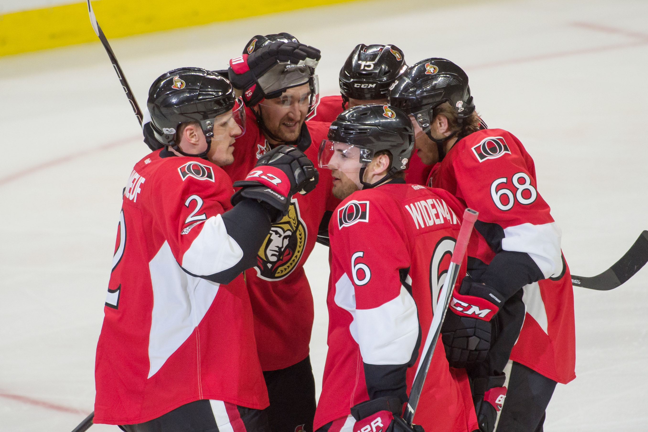 10014333-nhl-boston-bruins-at-ottawa-senators