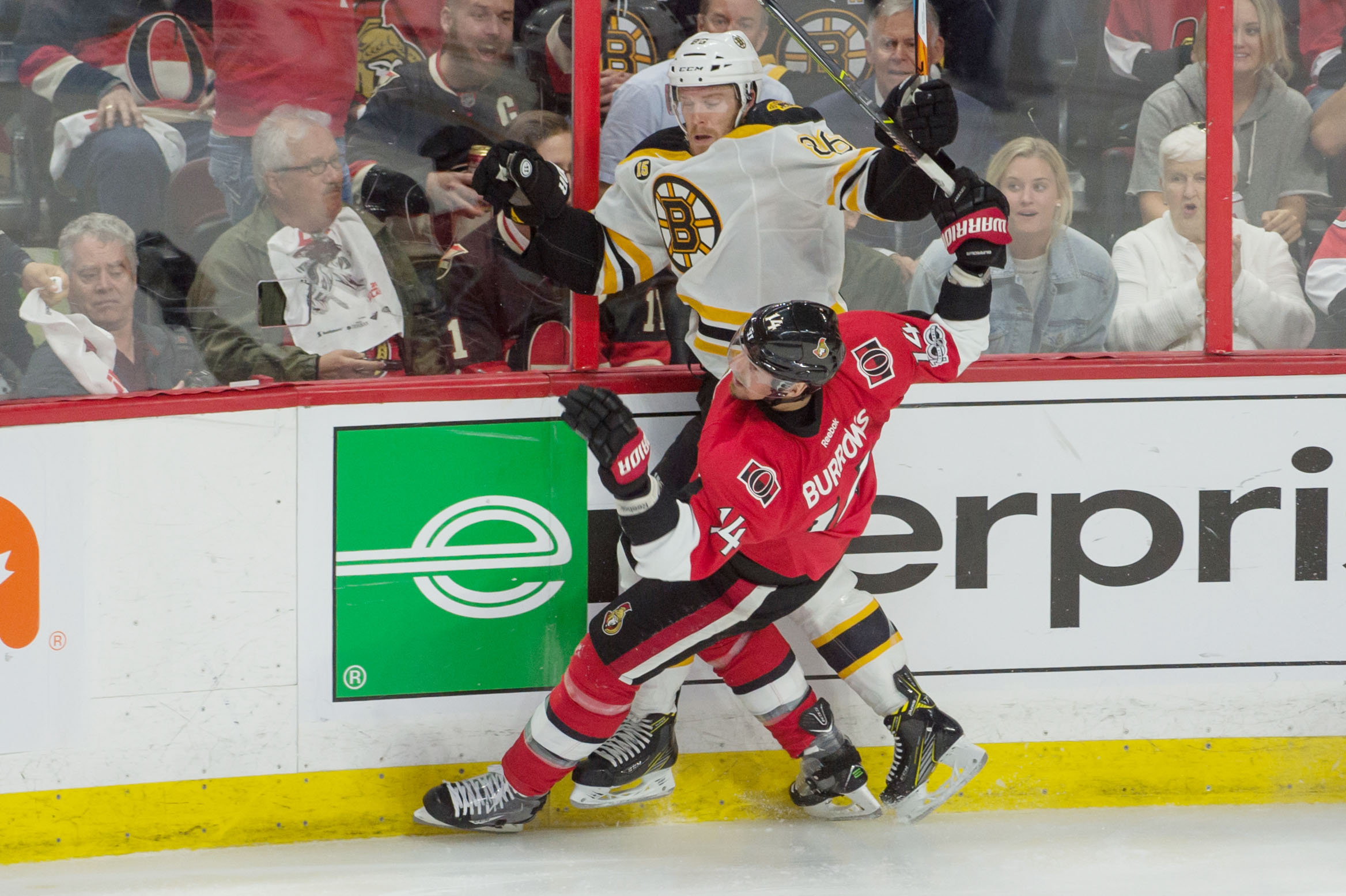 10014335-nhl-boston-bruins-at-ottawa-senators