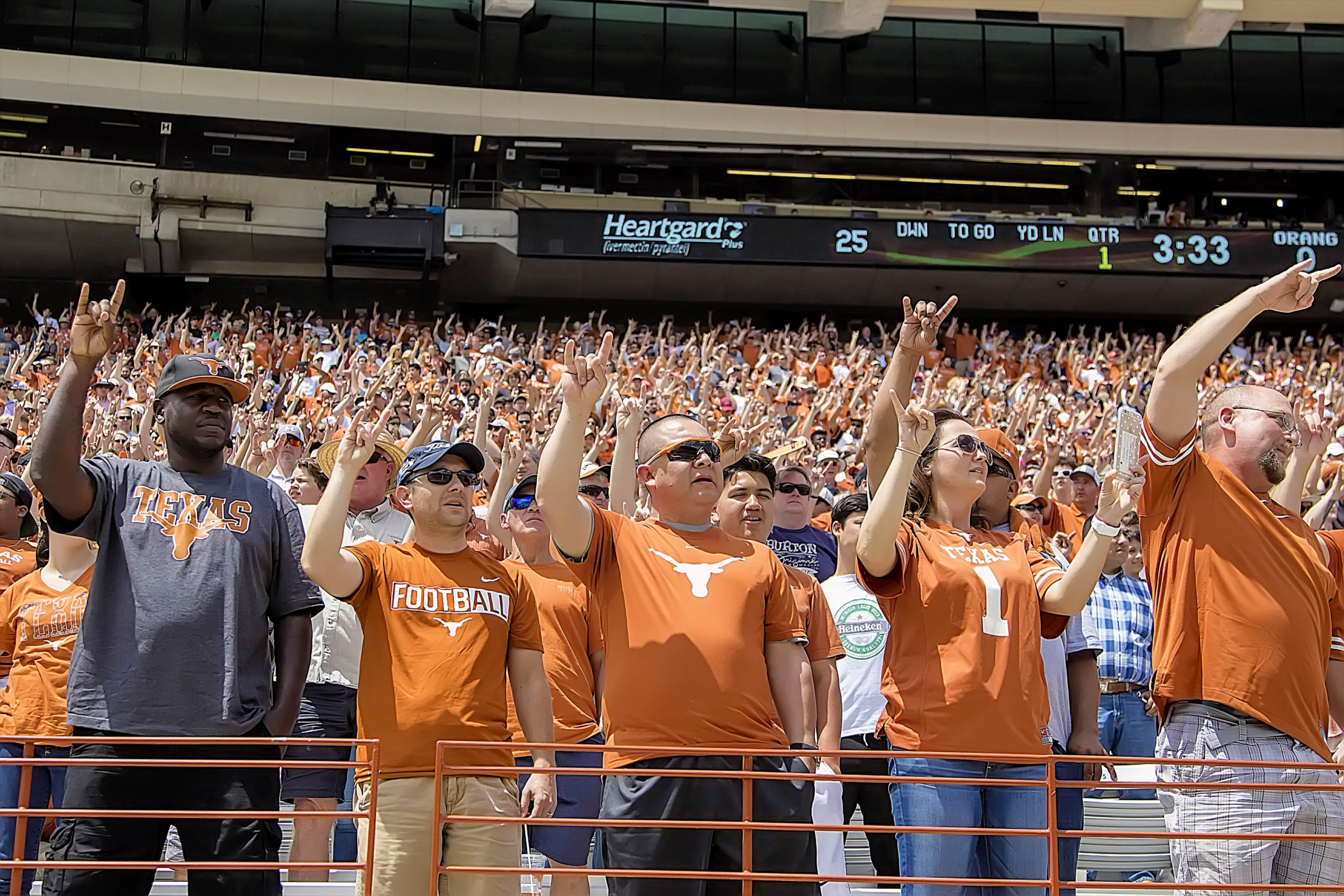 10014731-ncaa-football-texas-spring-game