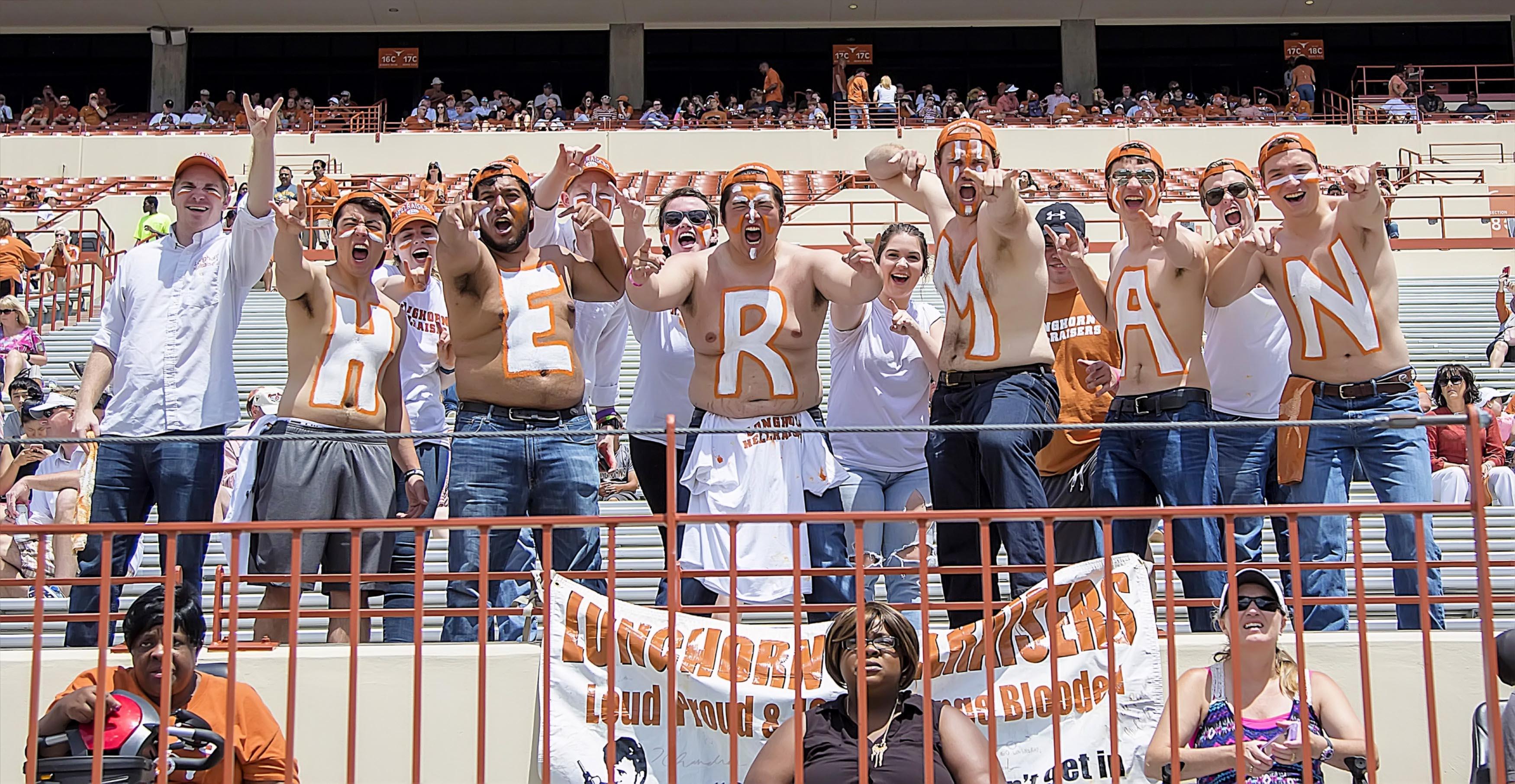 10014732-ncaa-football-texas-spring-game