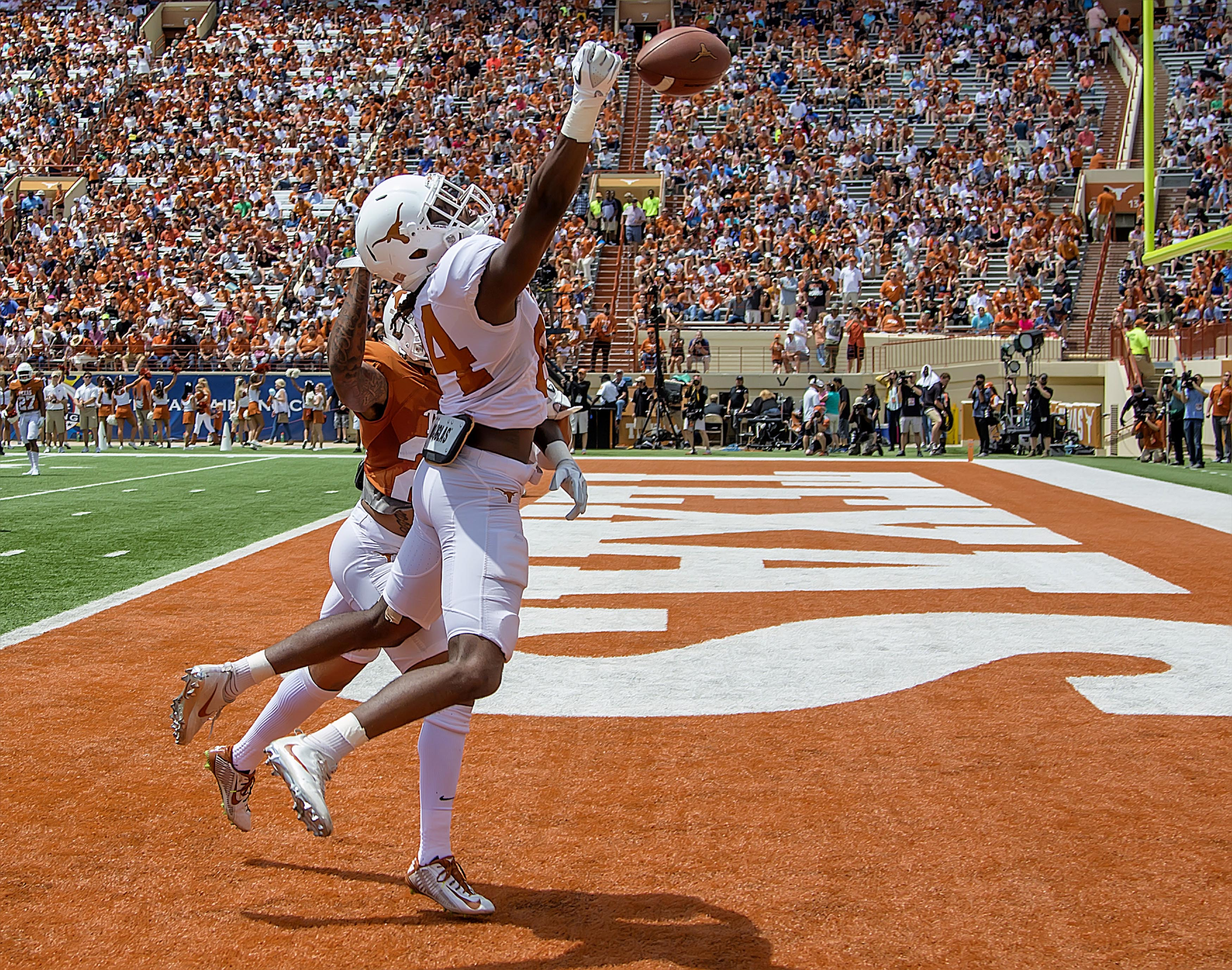 Texas Football Spring Game: 5 Biggest Stars and Surprises