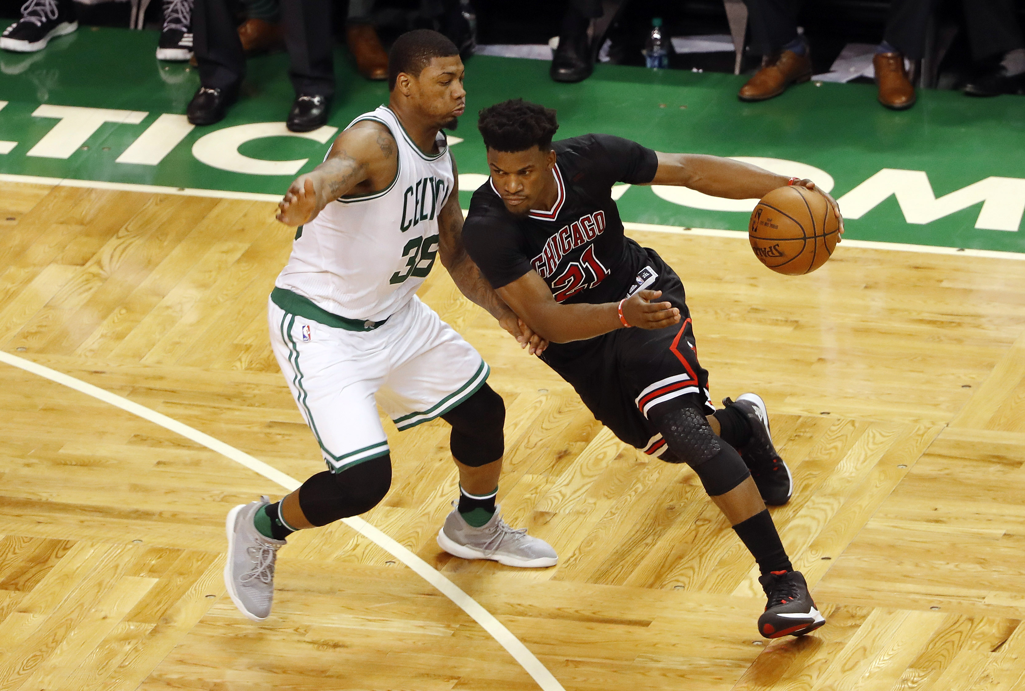 Jimmy Butler battling sore knee as Bulls prepare to fight off elimination