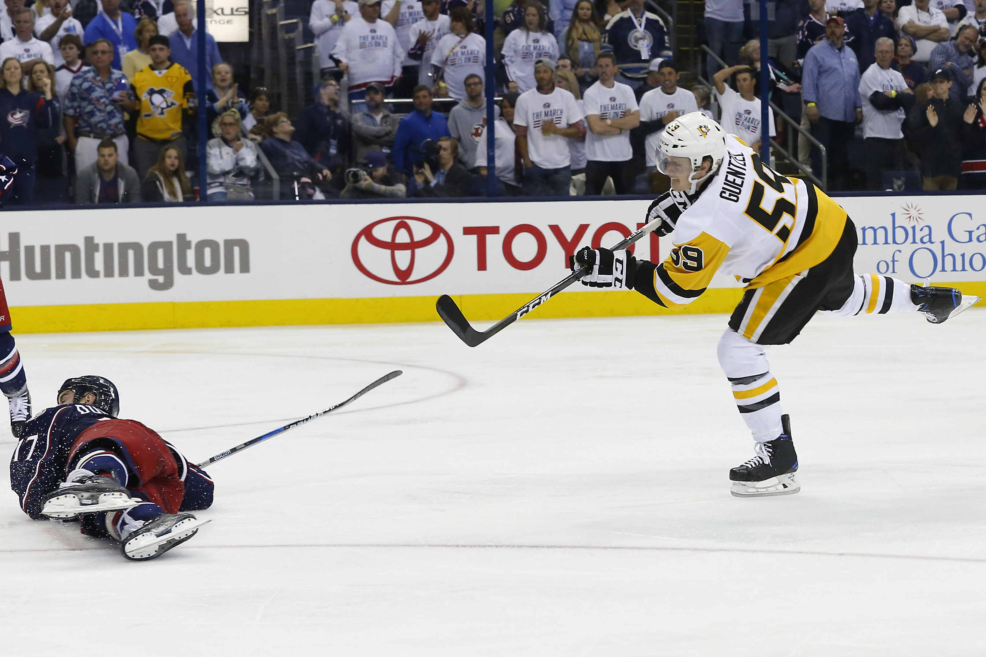 10016845-nhl-stanley-cup-playoffs-pittsburgh-penguins-at-columbus-blue-jackets