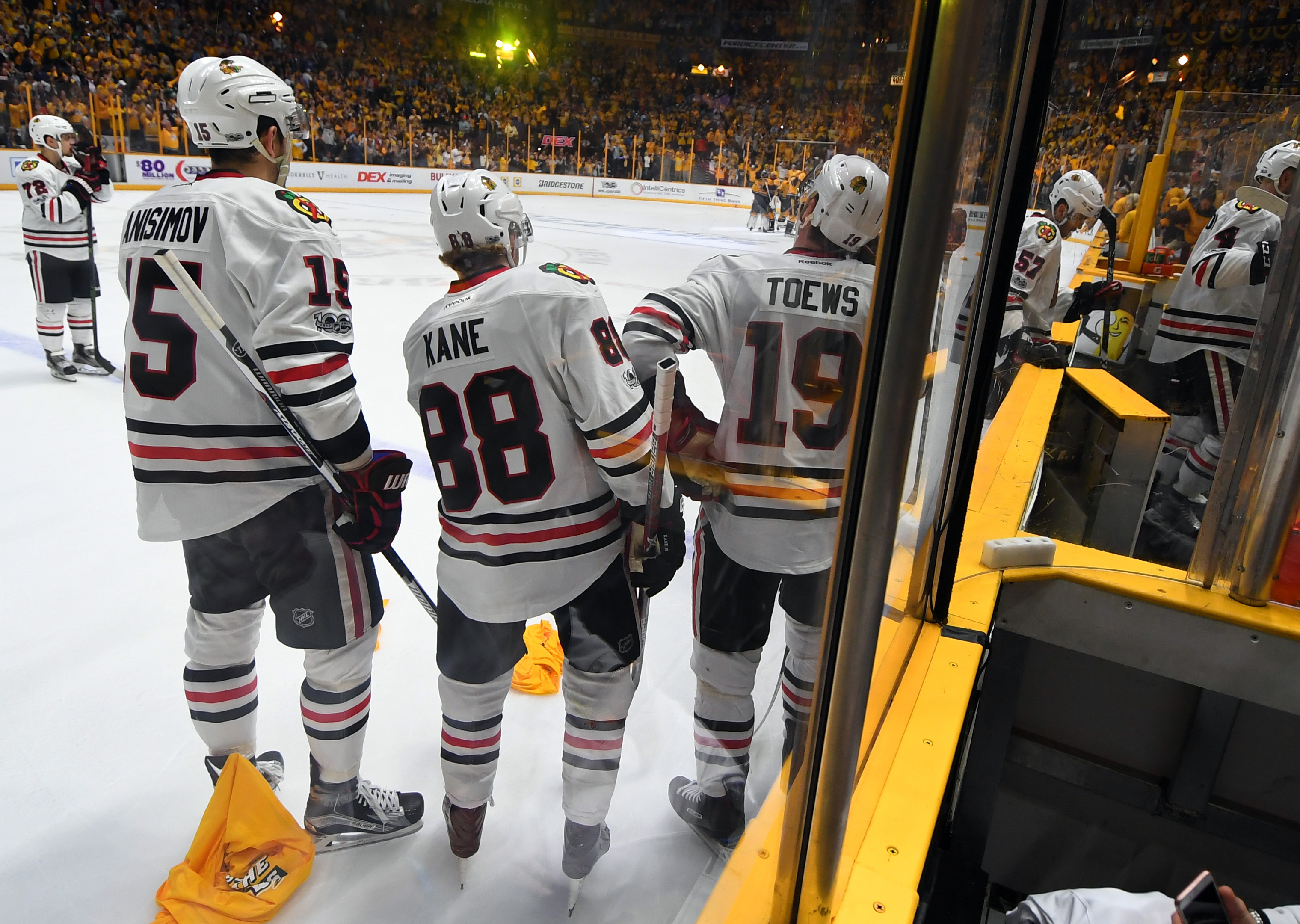 10018052-nhl-stanley-cup-playoffs-chicago-blackhawks-at-nashville-predators