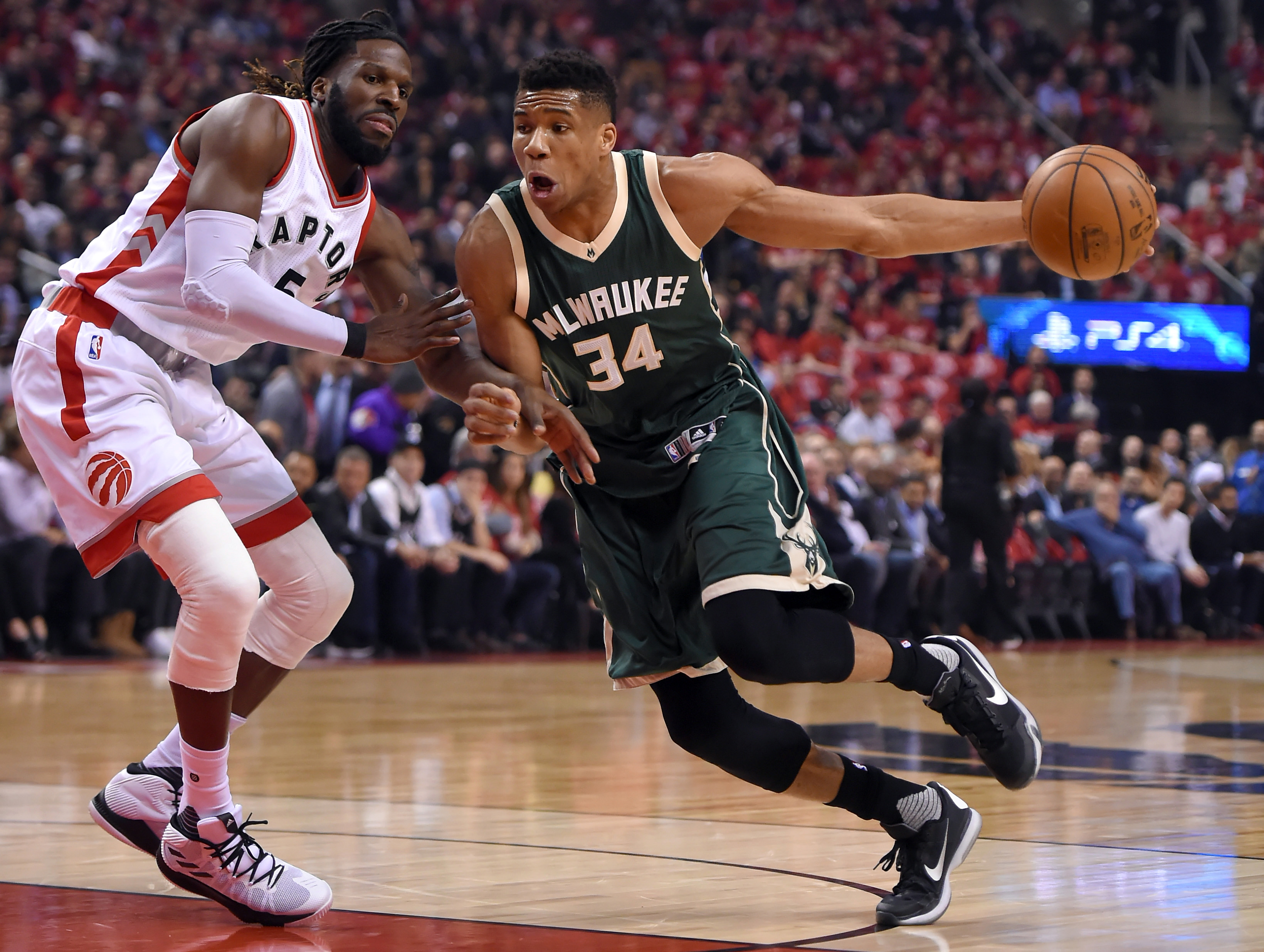 Bucks fall in back and forth contest with Raptors