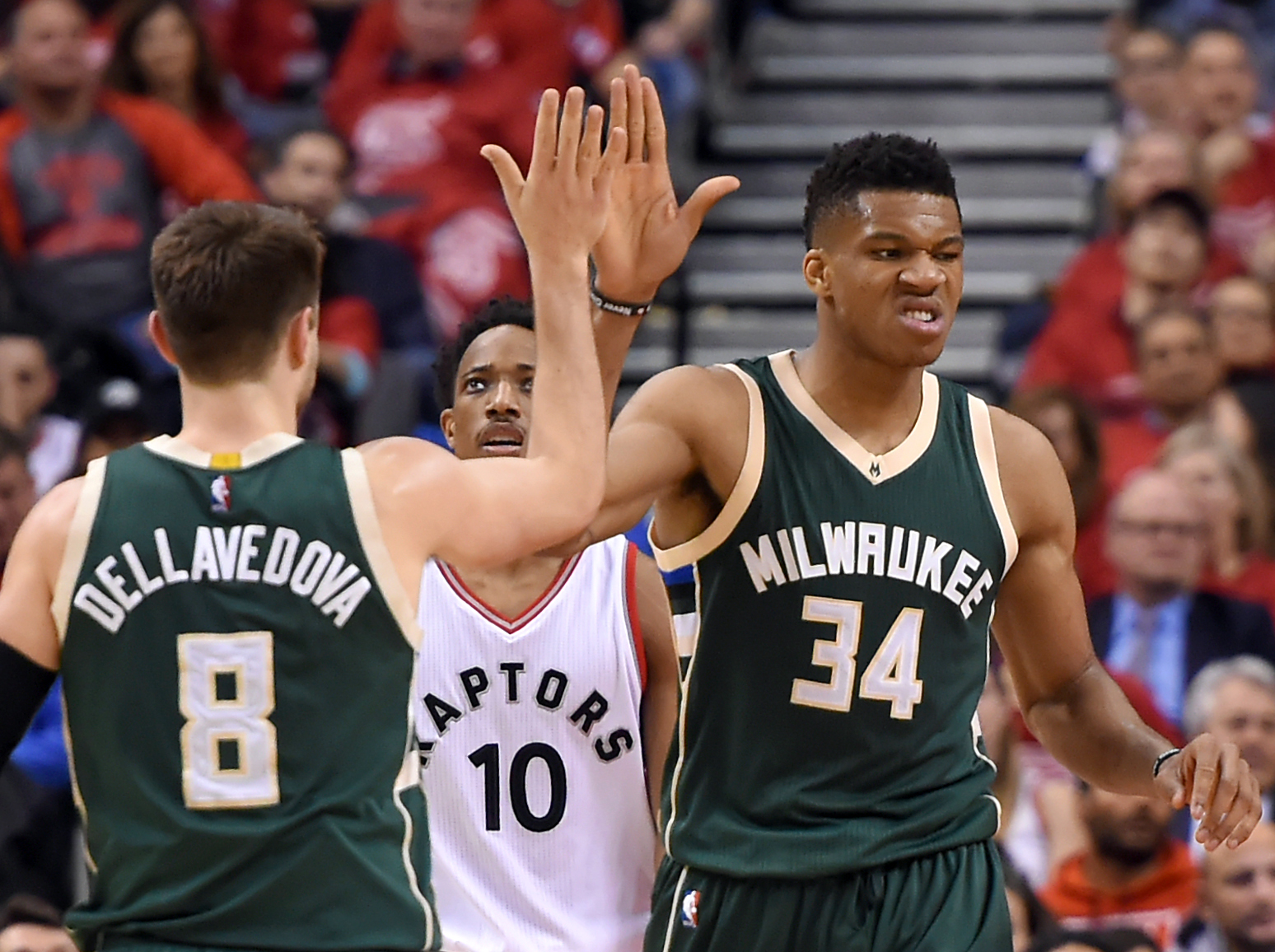 10019214-nba-playoffs-milwaukee-bucks-at-toronto-raptors-2