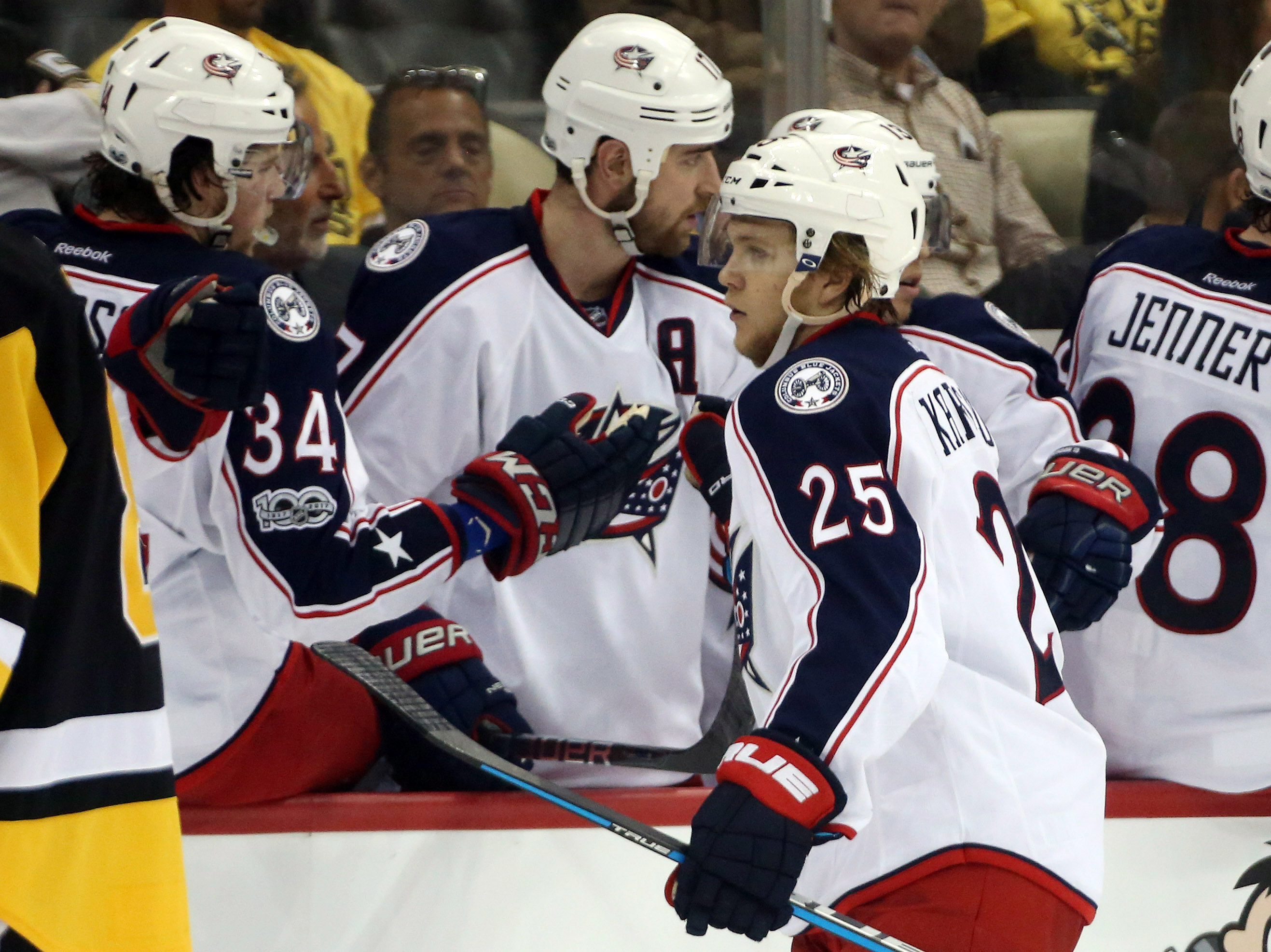 10022809-nhl-stanley-cup-playoffs-columbus-blue-jackets-at-pittsburgh-penguins