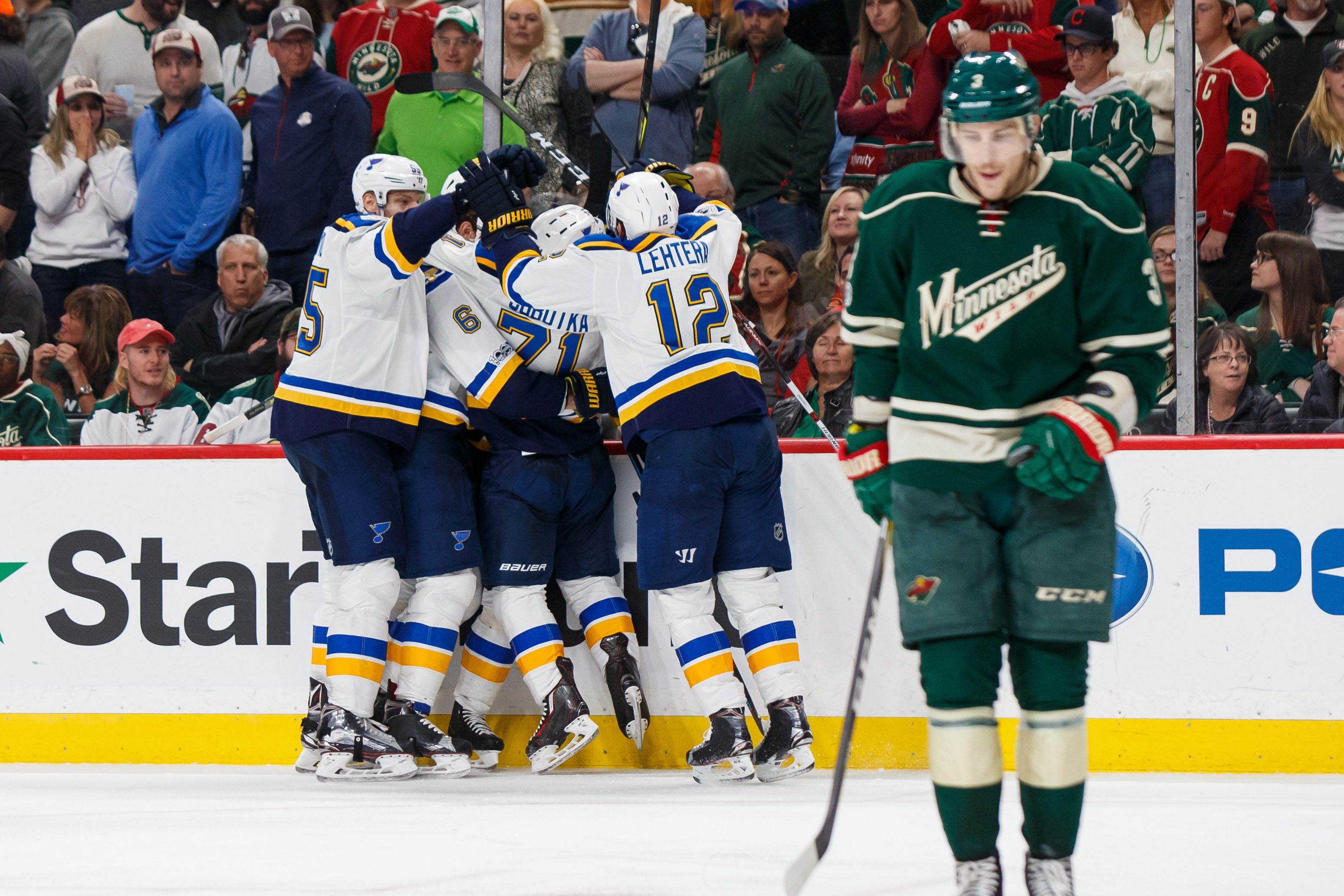 10025627-nhl-stanley-cup-playoffs-st.-louis-blues-at-minnesota-wild