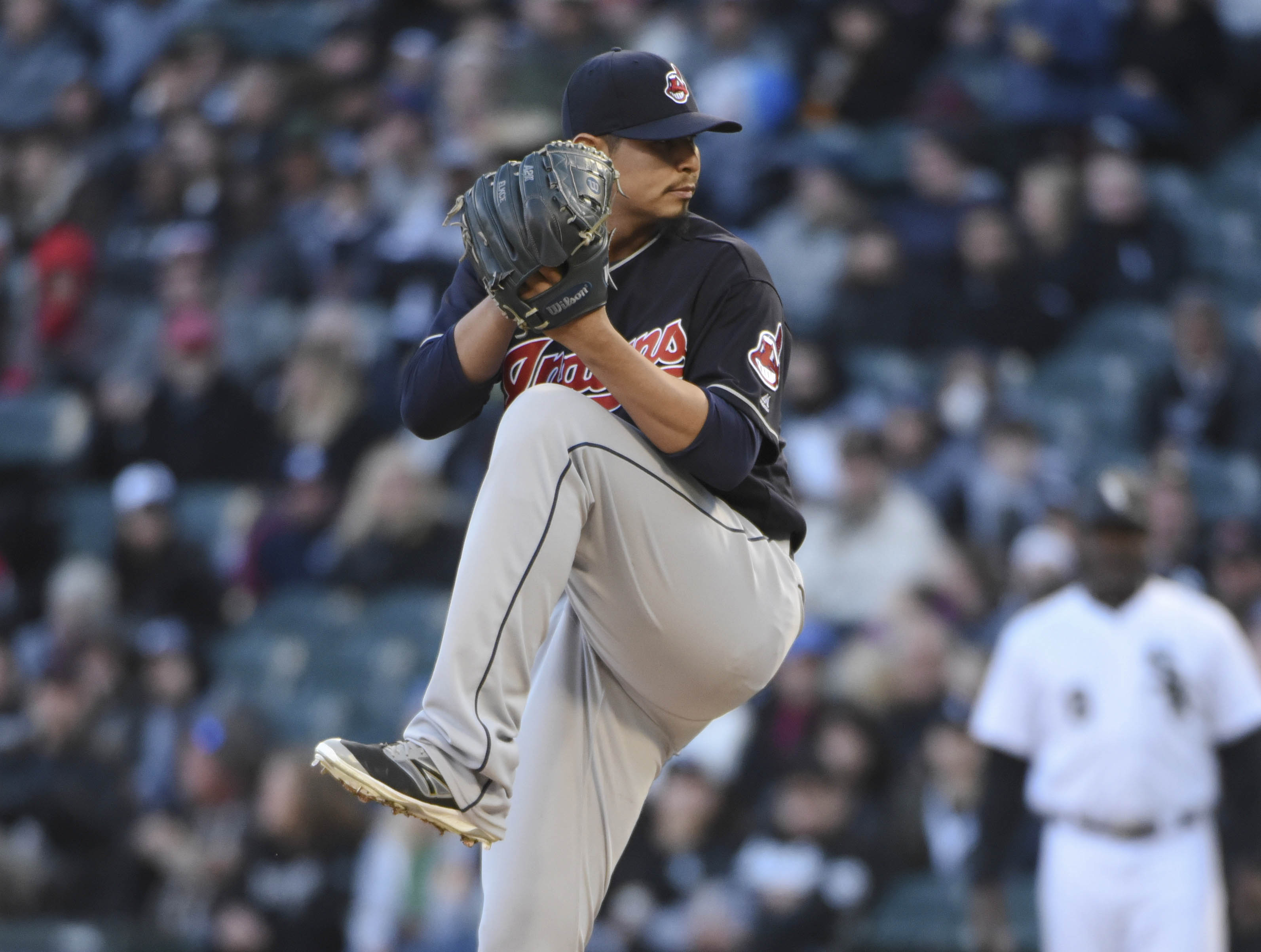 10025795-mlb-cleveland-indians-at-chicago-white-sox