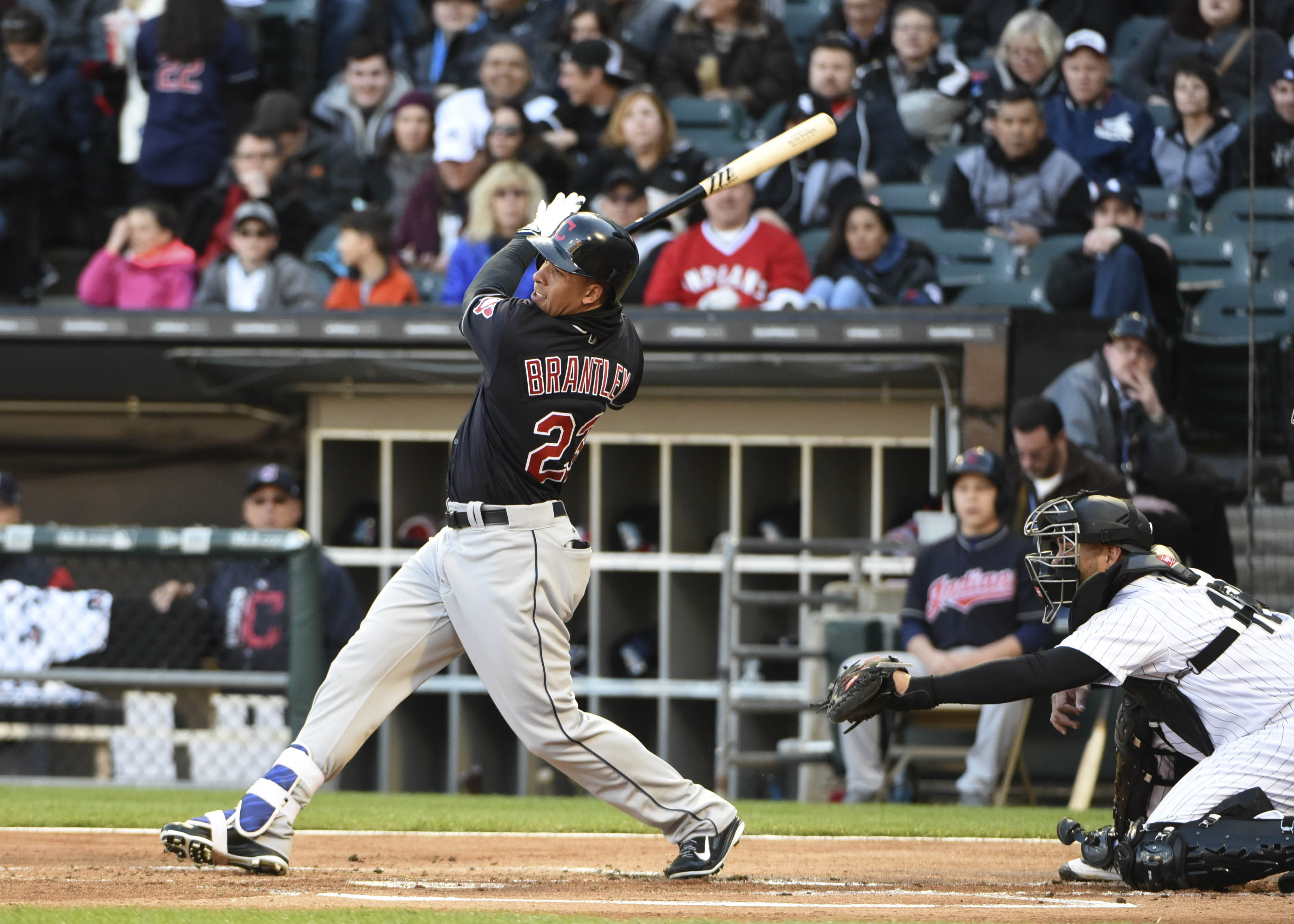 10025798-mlb-cleveland-indians-at-chicago-white-sox