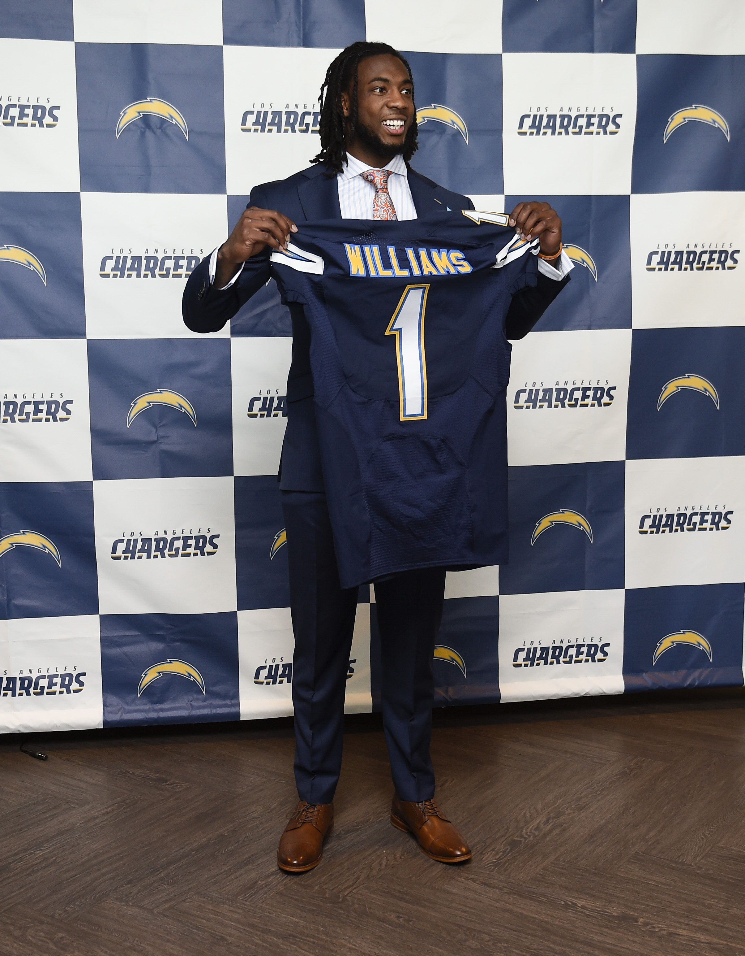 10034537-nfl-los-angeles-chargers-mike-williams-press-conference