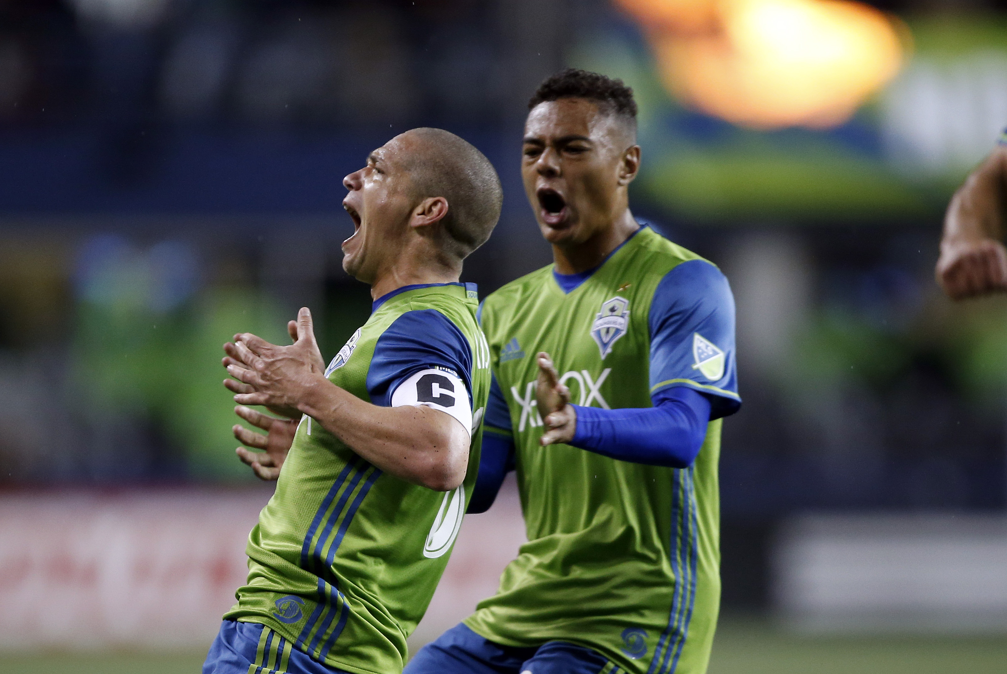 10036862-mls-new-england-revolution-at-seattle-sounders-fc