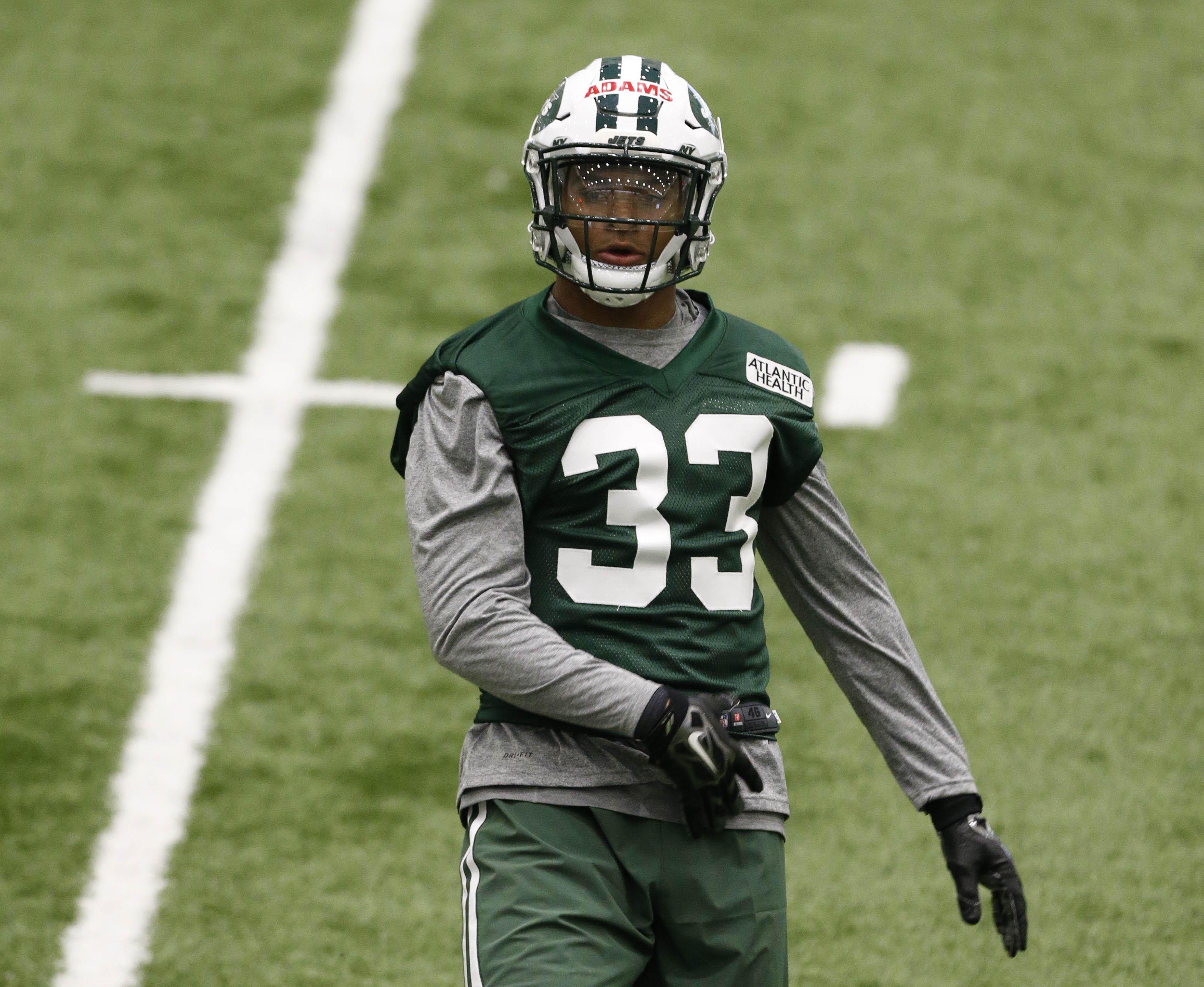 10043176-nfl-new-york-jets-rookie-minicamp