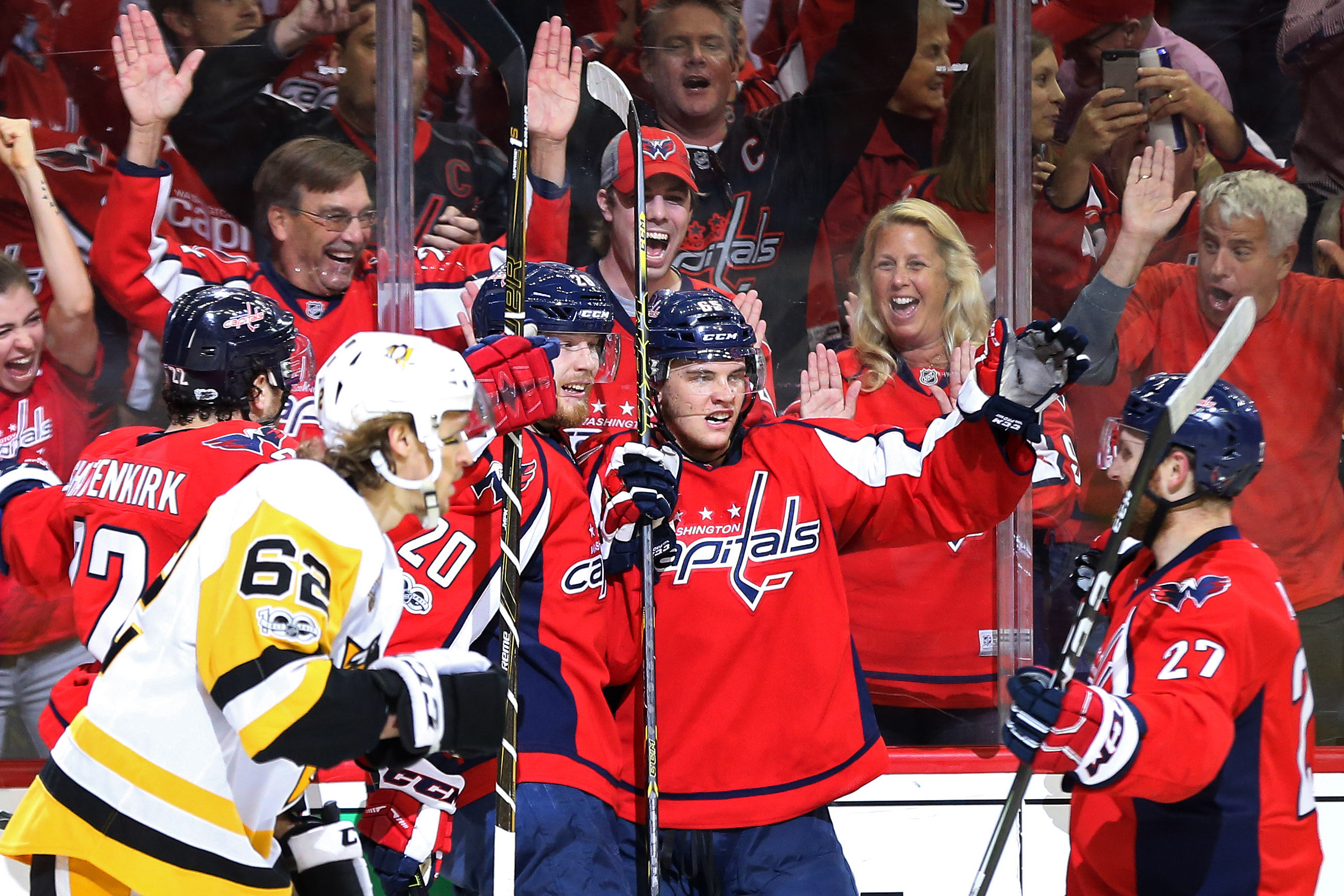 10049167-nhl-stanley-cup-playoffs-pittsburgh-penguins-at-washington-capitals