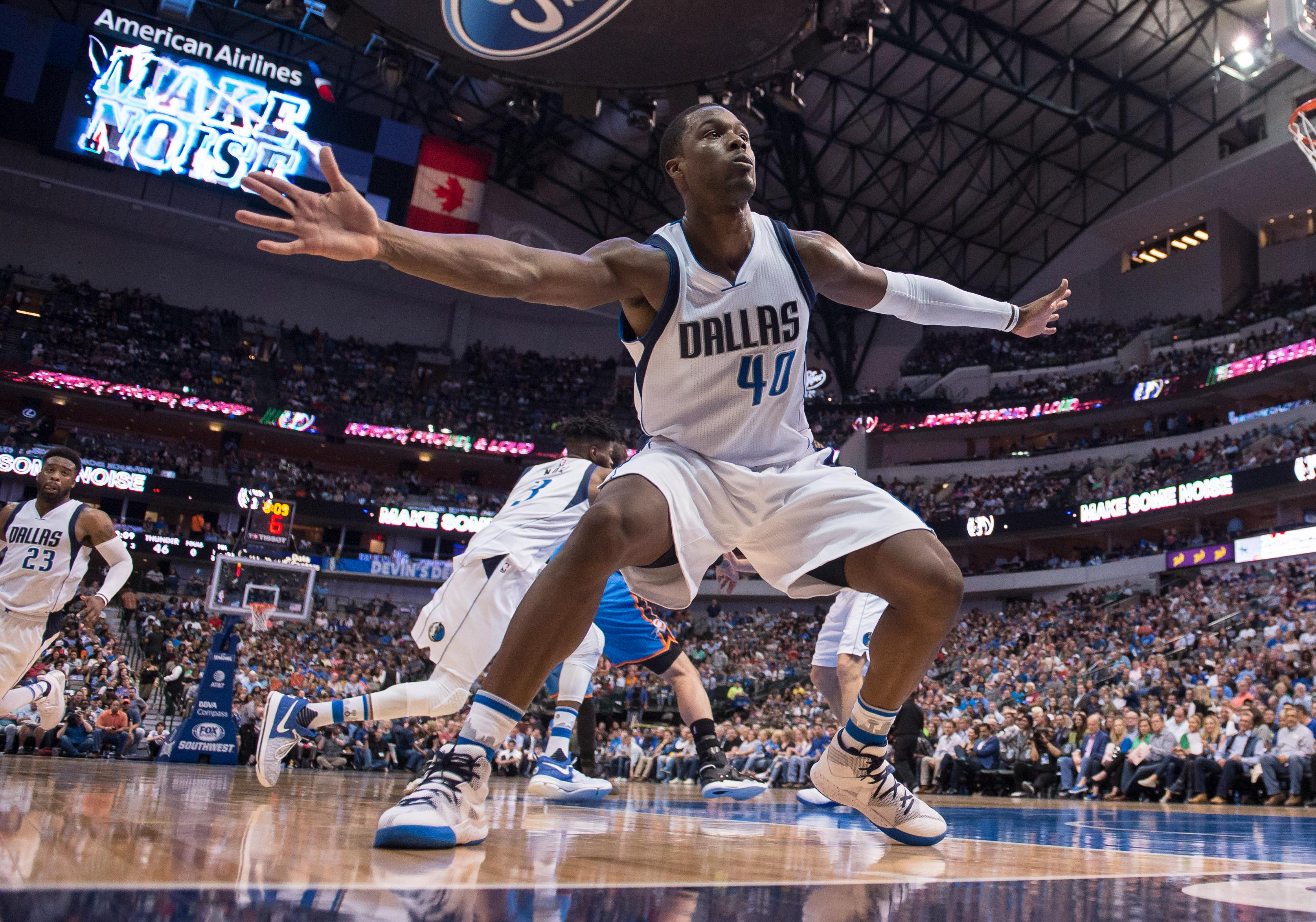 10051178-nba-oklahoma-city-thunder-at-dallas-mavericks