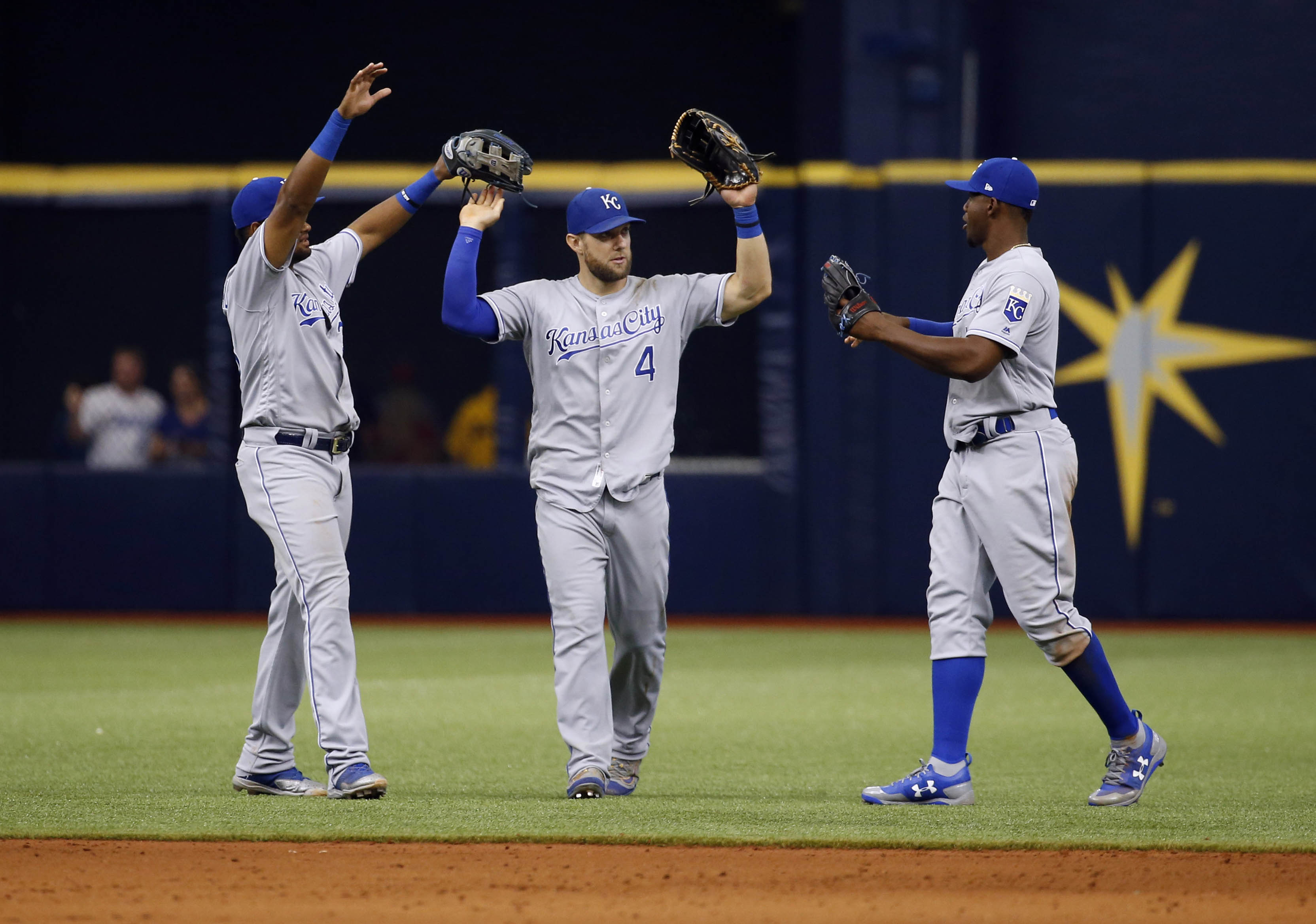 10052330-mlb-kansas-city-royals-at-tampa-bay-rays-1