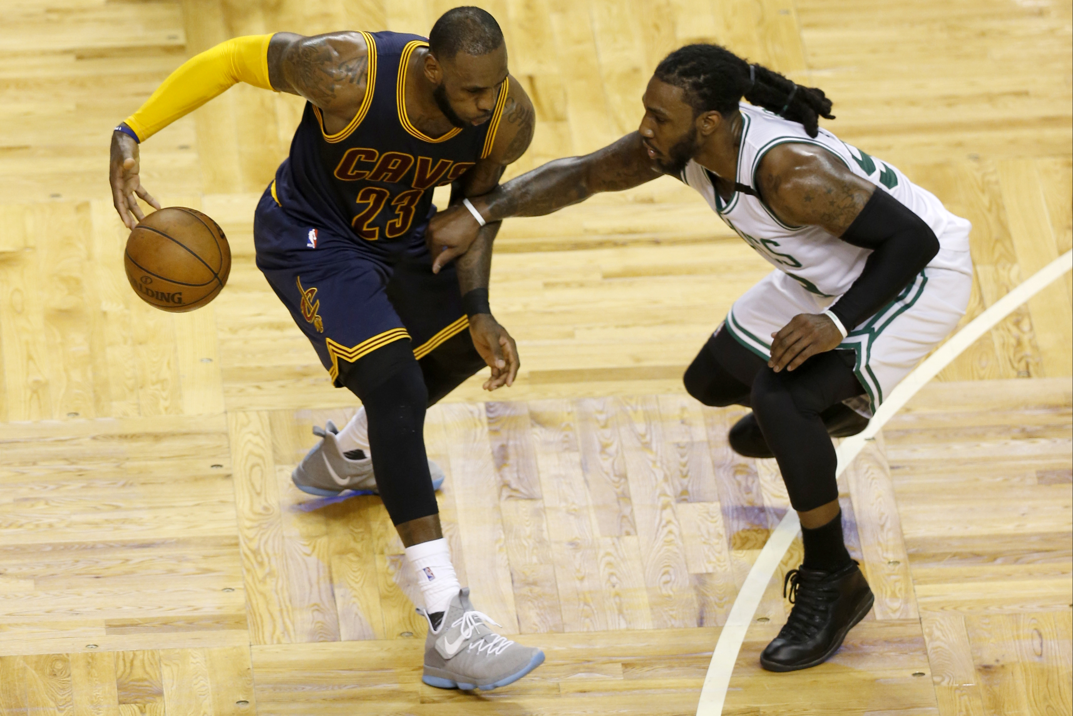 10061684-nba-playoffs-cleveland-cavaliers-at-boston-celtics-1