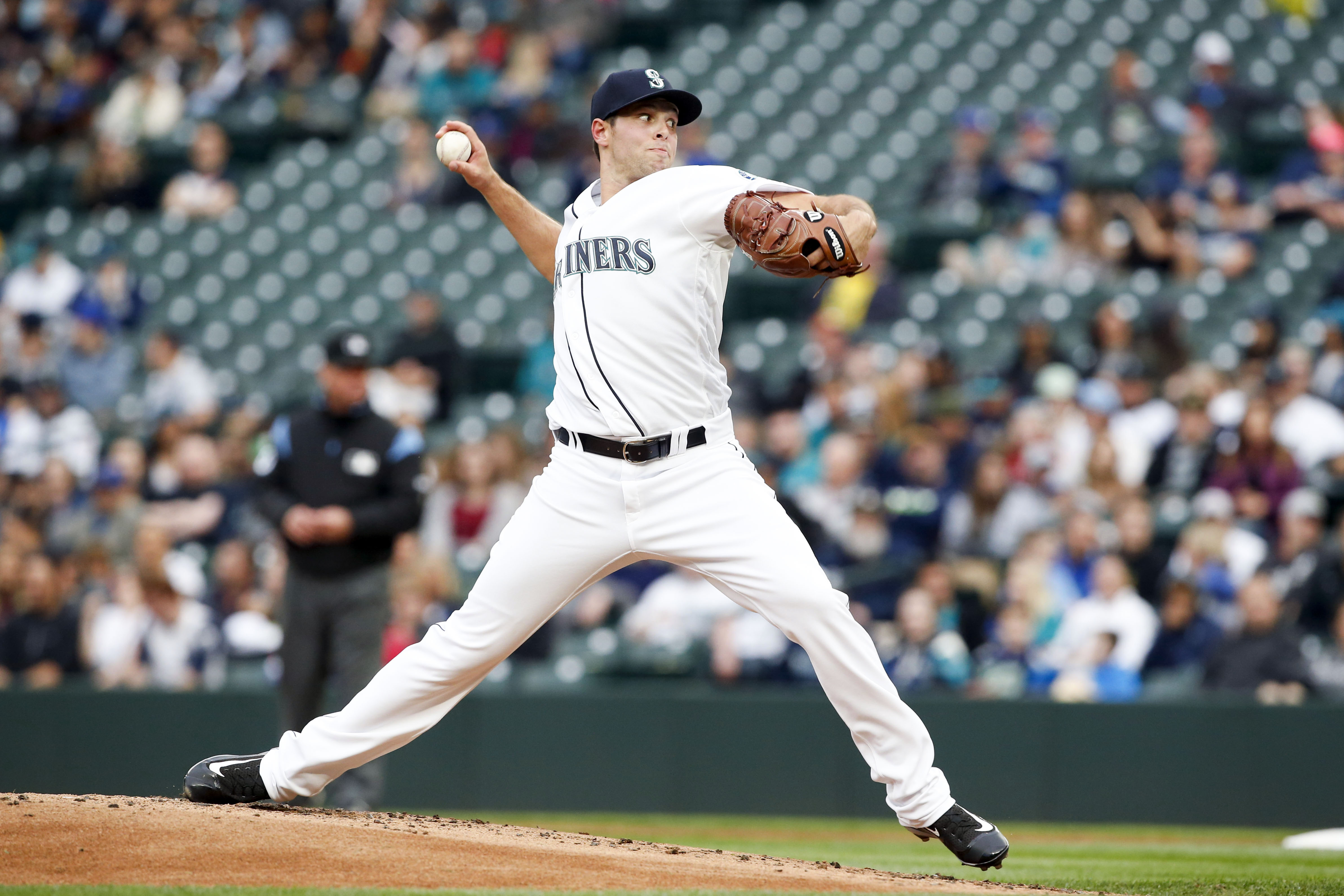 10063594-mlb-chicago-white-sox-at-seattle-mariners