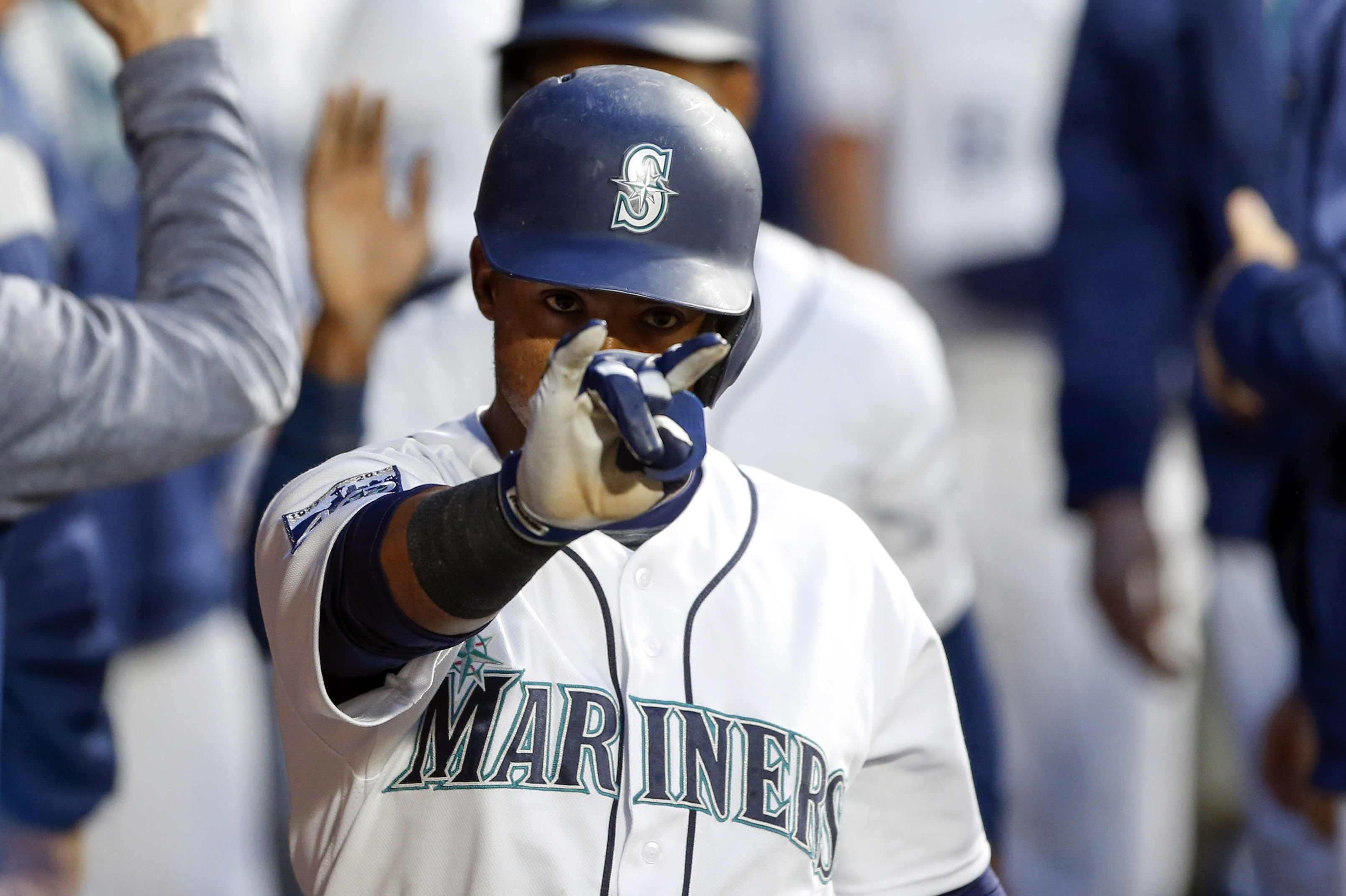 10063731-mlb-chicago-white-sox-at-seattle-mariners