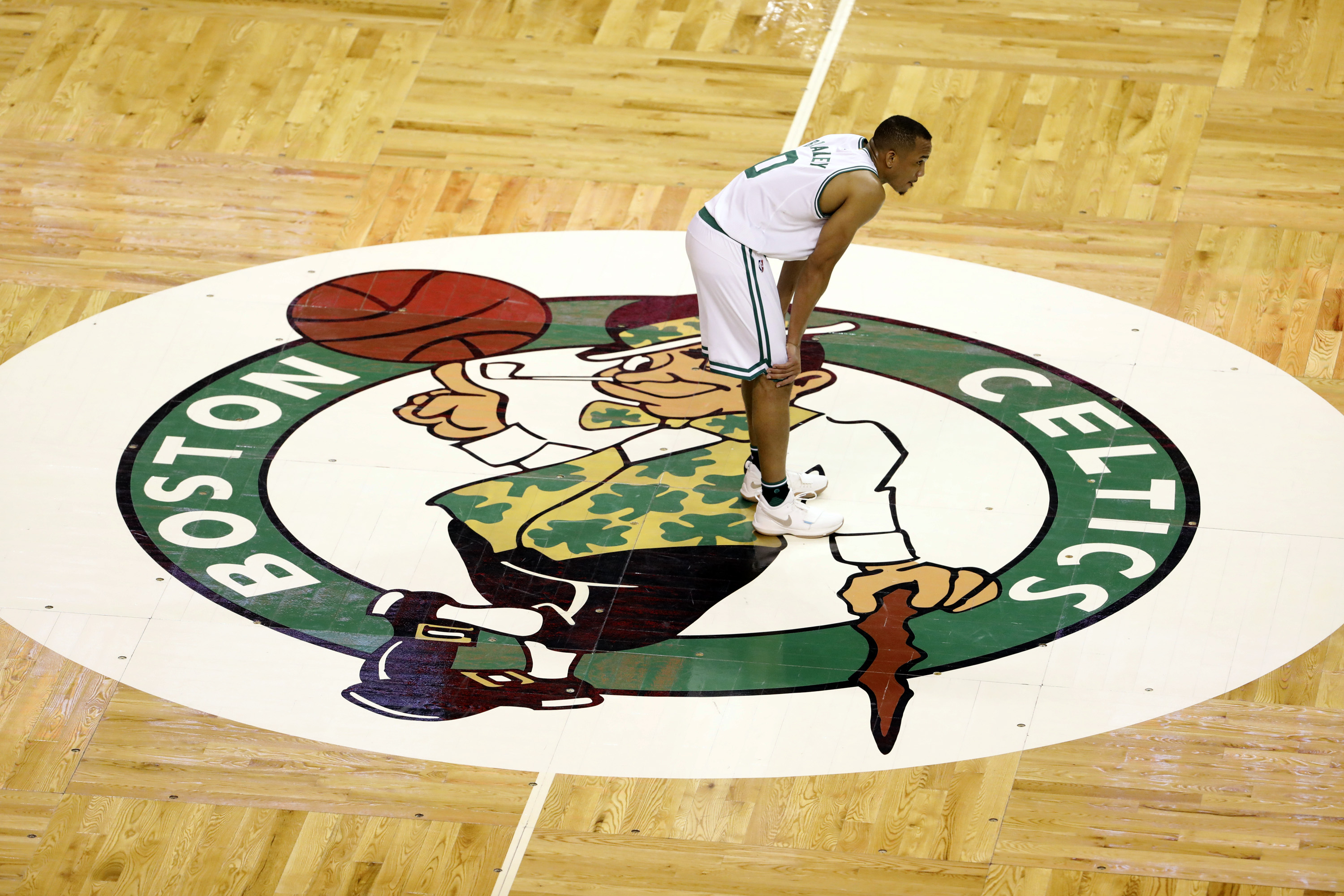 10064608-nba-playoffs-cleveland-cavaliers-at-boston-celtics-1