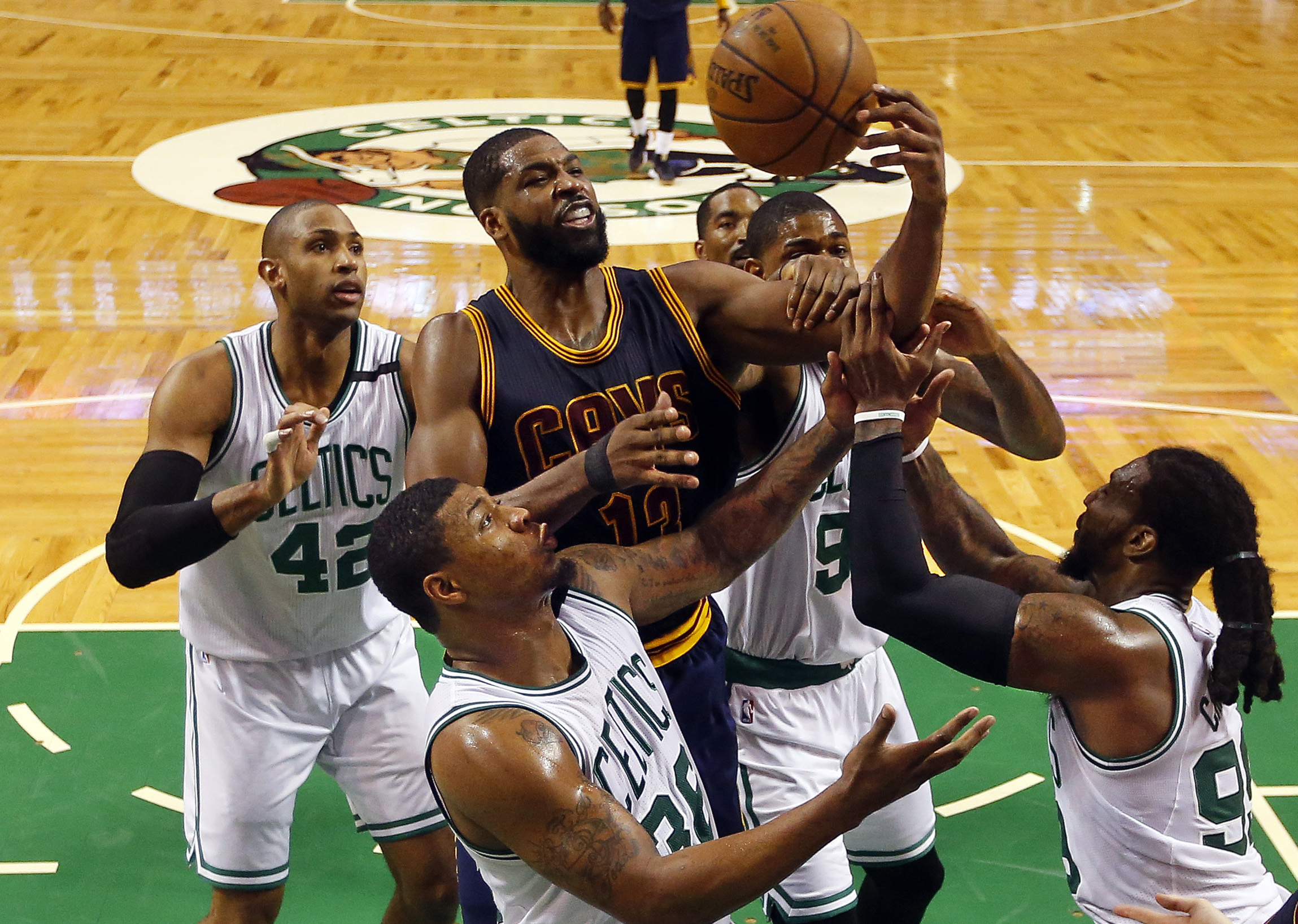10064824-nba-playoffs-cleveland-cavaliers-at-boston-celtics