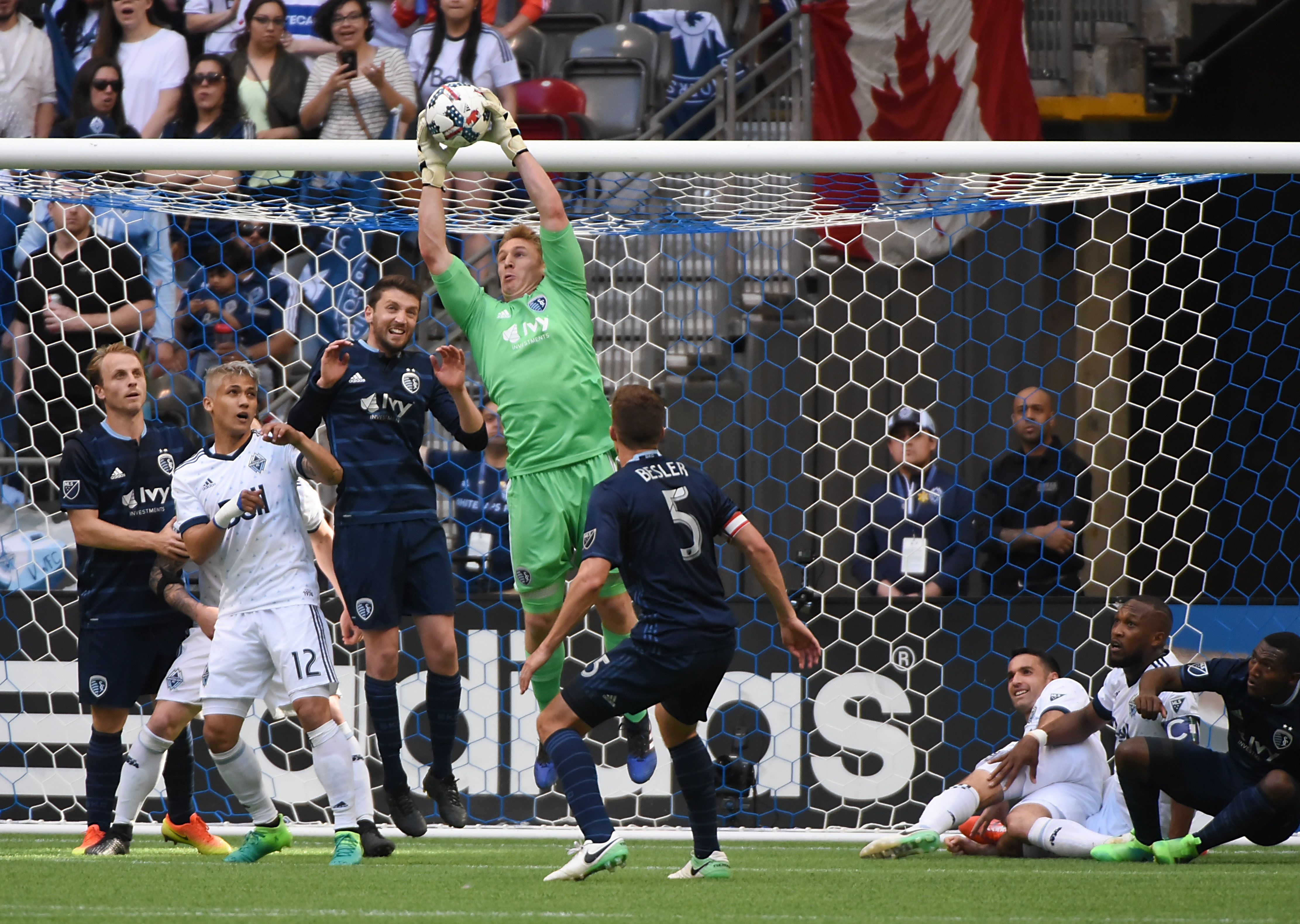 10067355-mls-sporting-kc-at-vancouver-whitecaps-fc