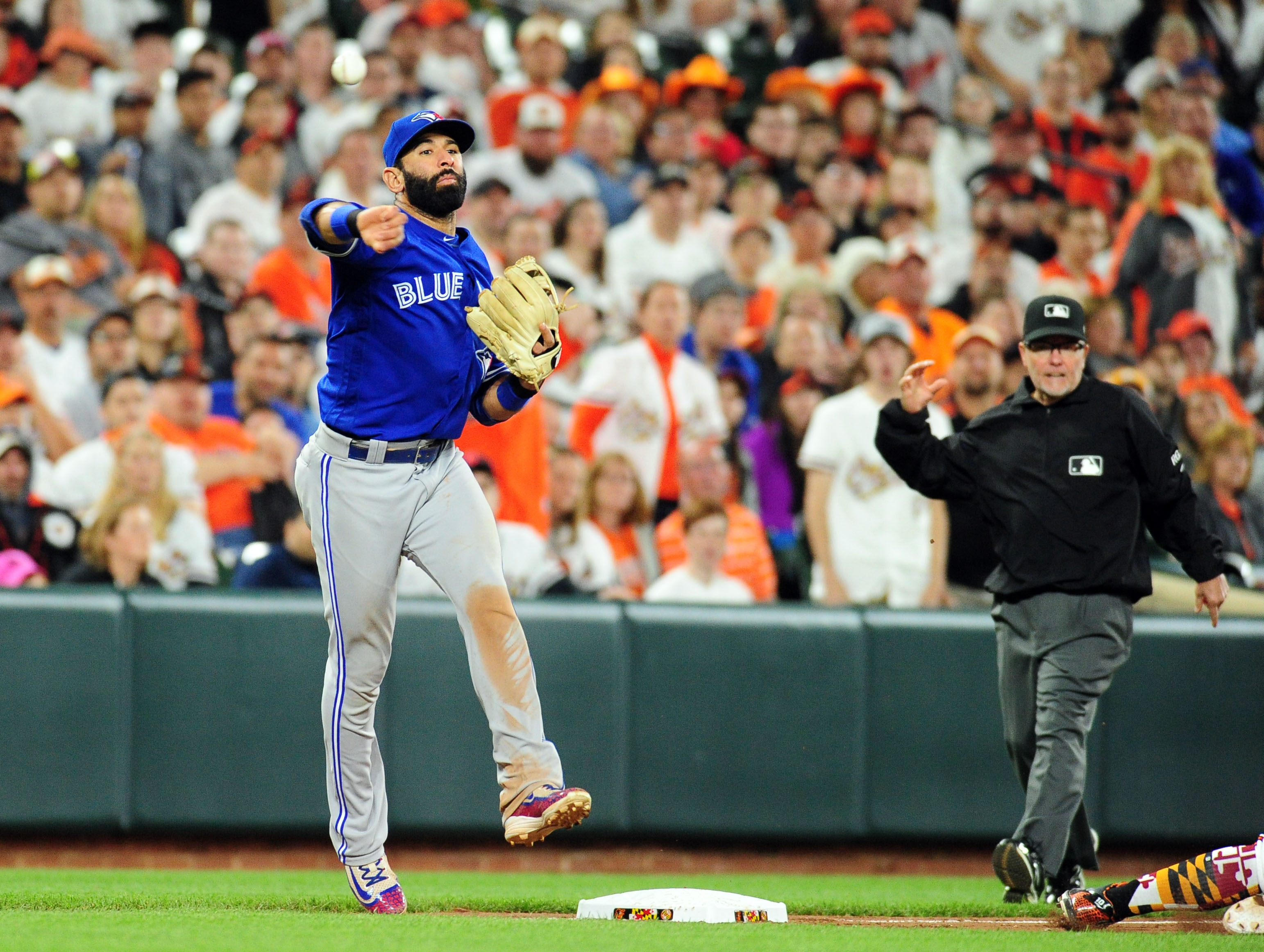 10067761-mlb-toronto-blue-jays-at-baltimore-orioles
