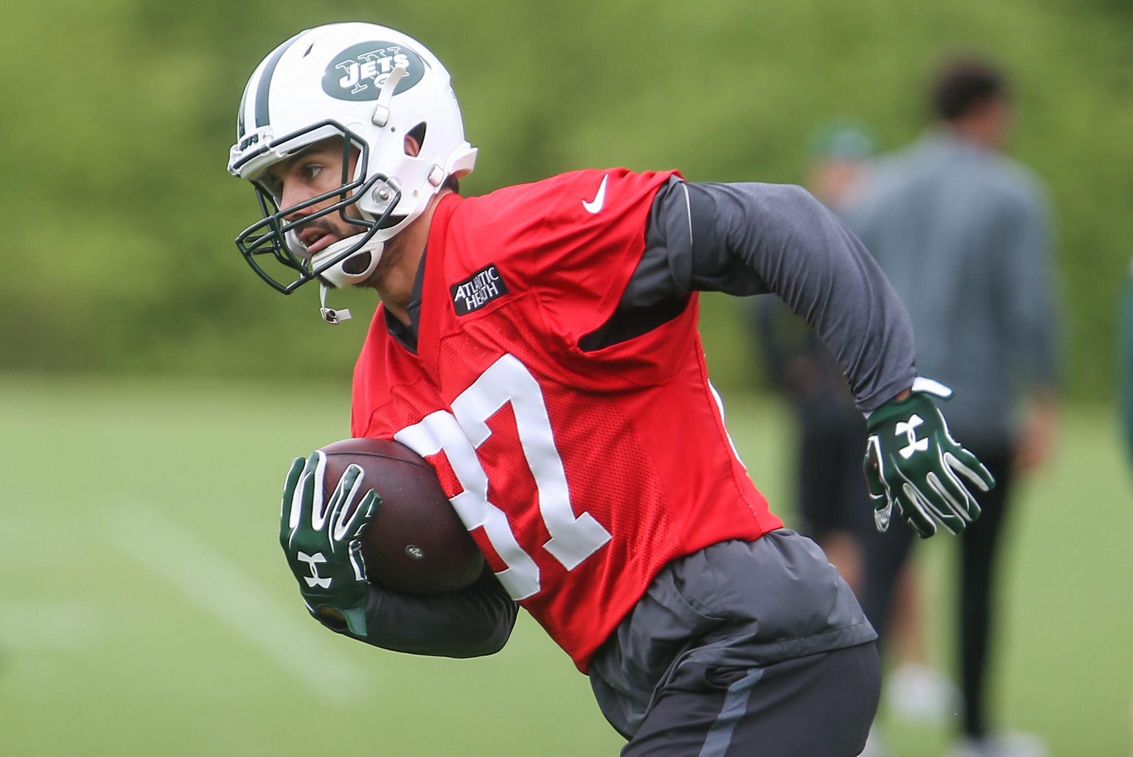 10070880-nfl-new-york-jets-ota-4