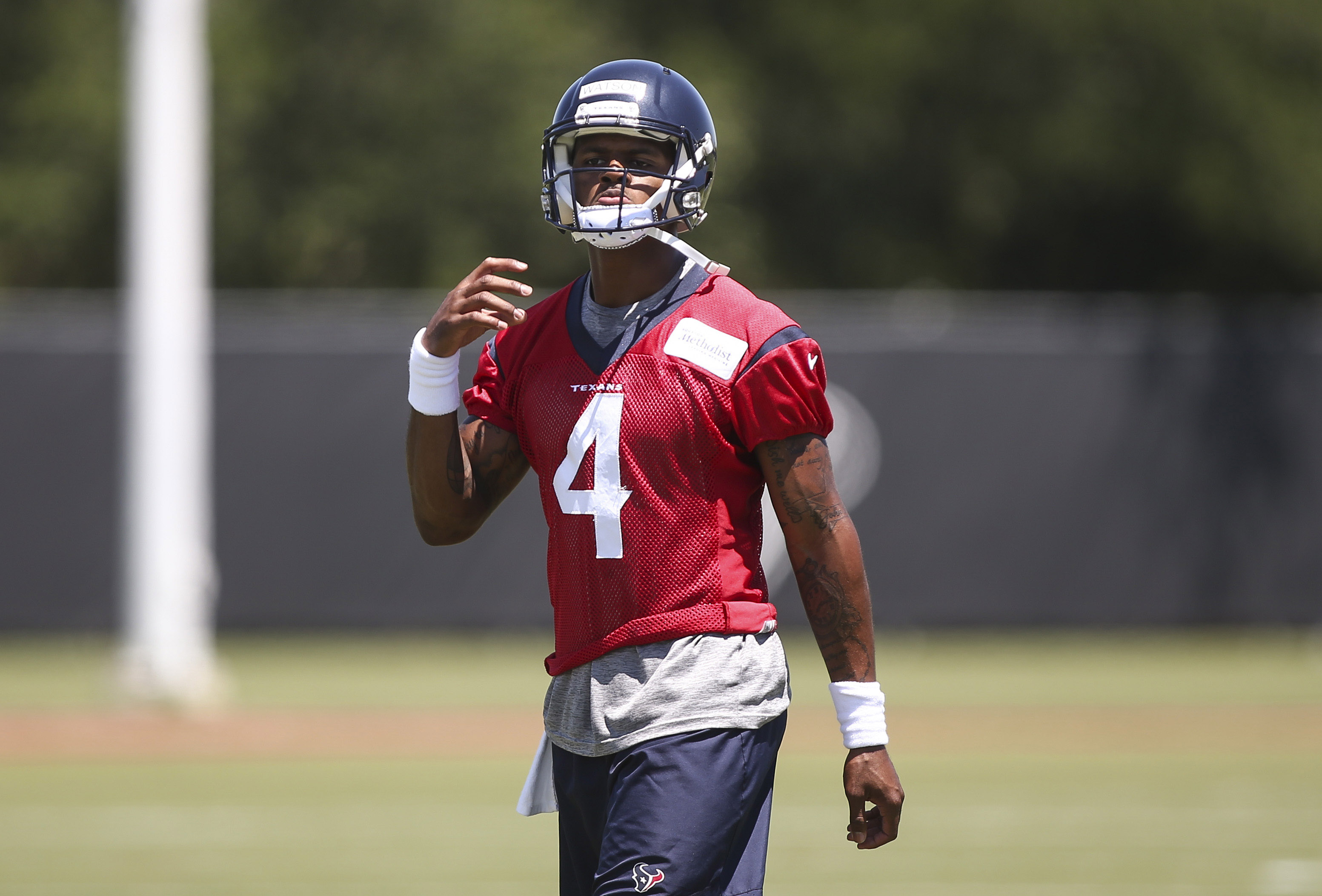 10071233-nfl-houston-texans-ota-1