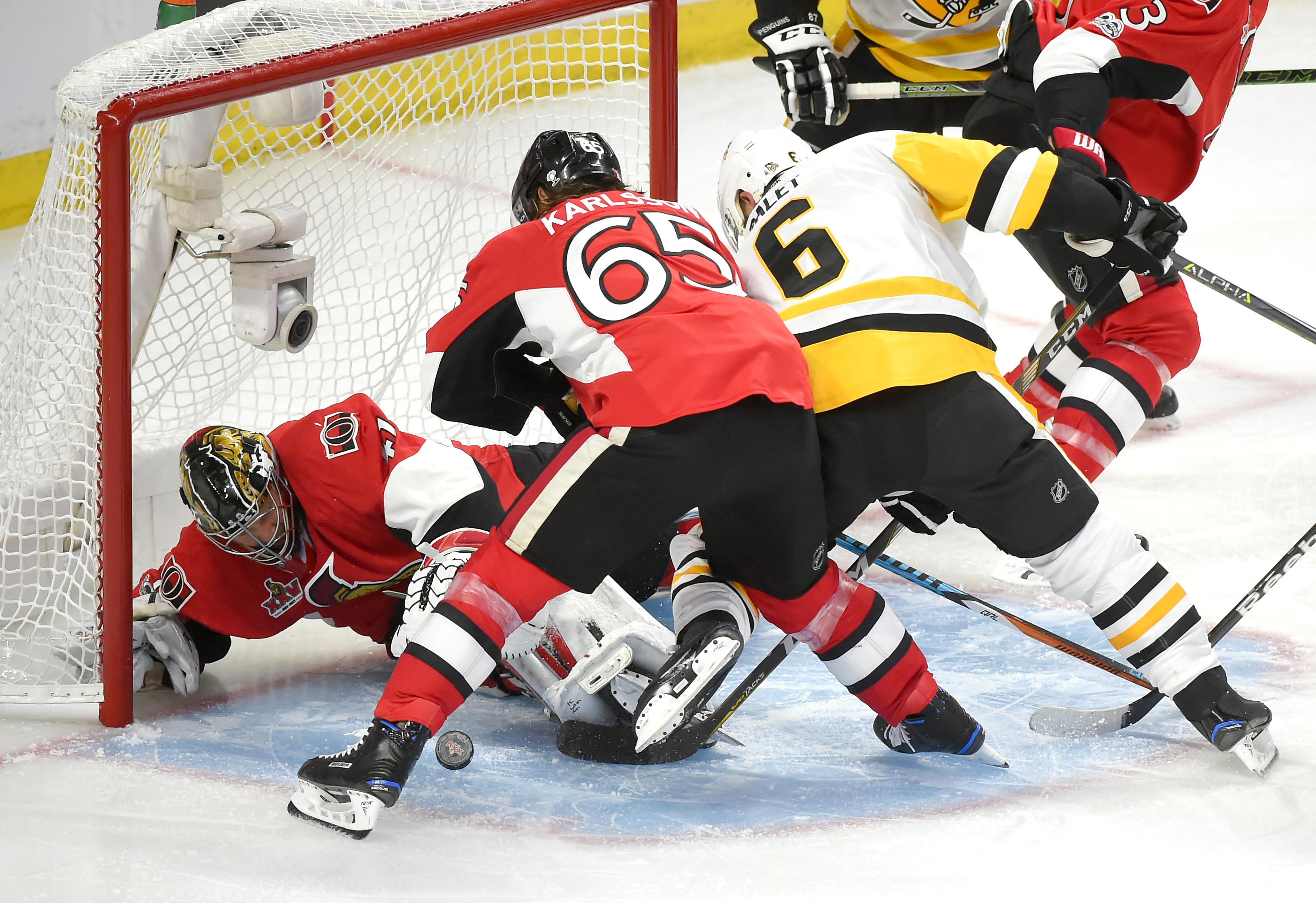 10071847-nhl-stanley-cup-playoffs-pittsburgh-penguins-at-ottawa-senators
