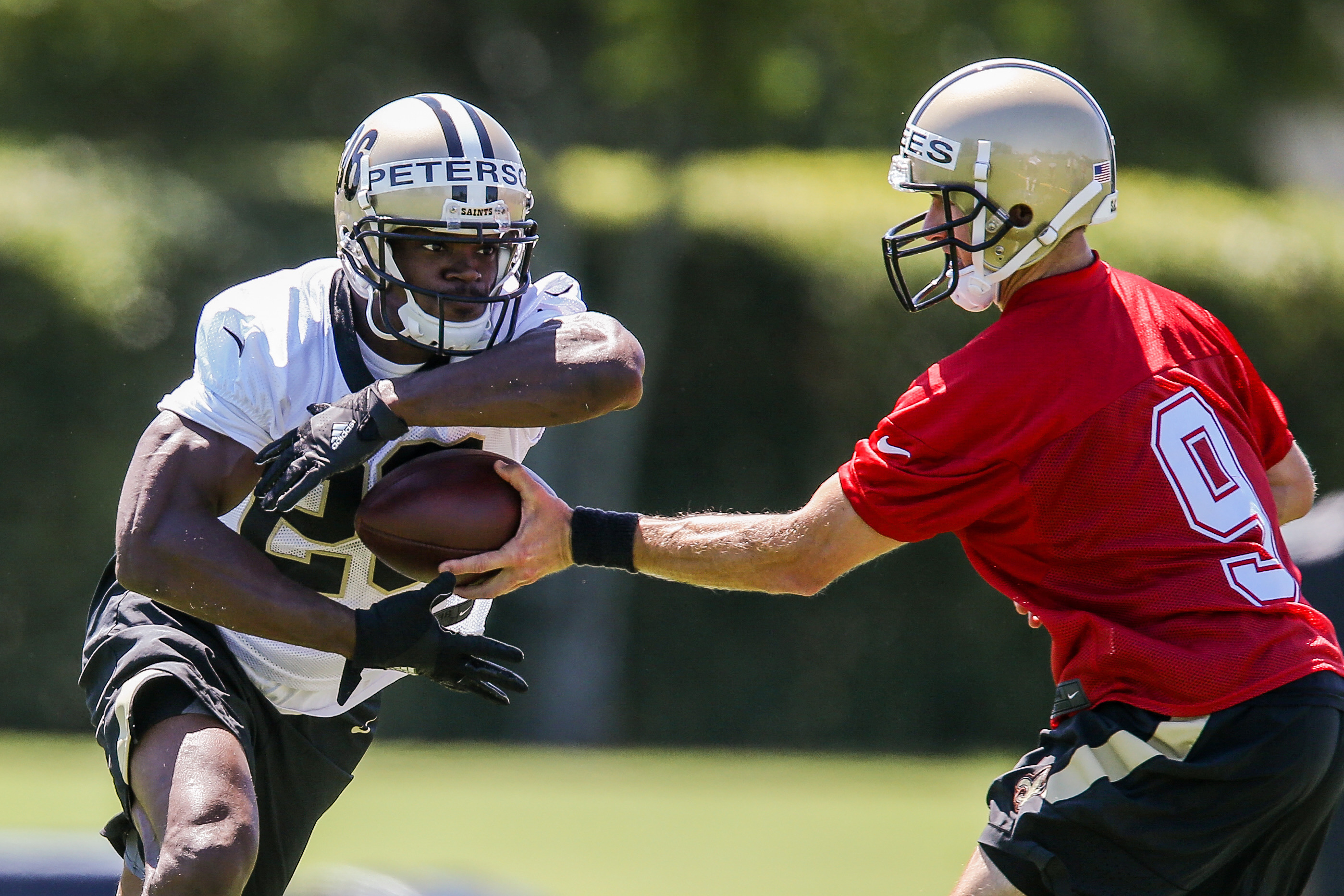Saints RB Adrian Peterson considering playing five more seasons