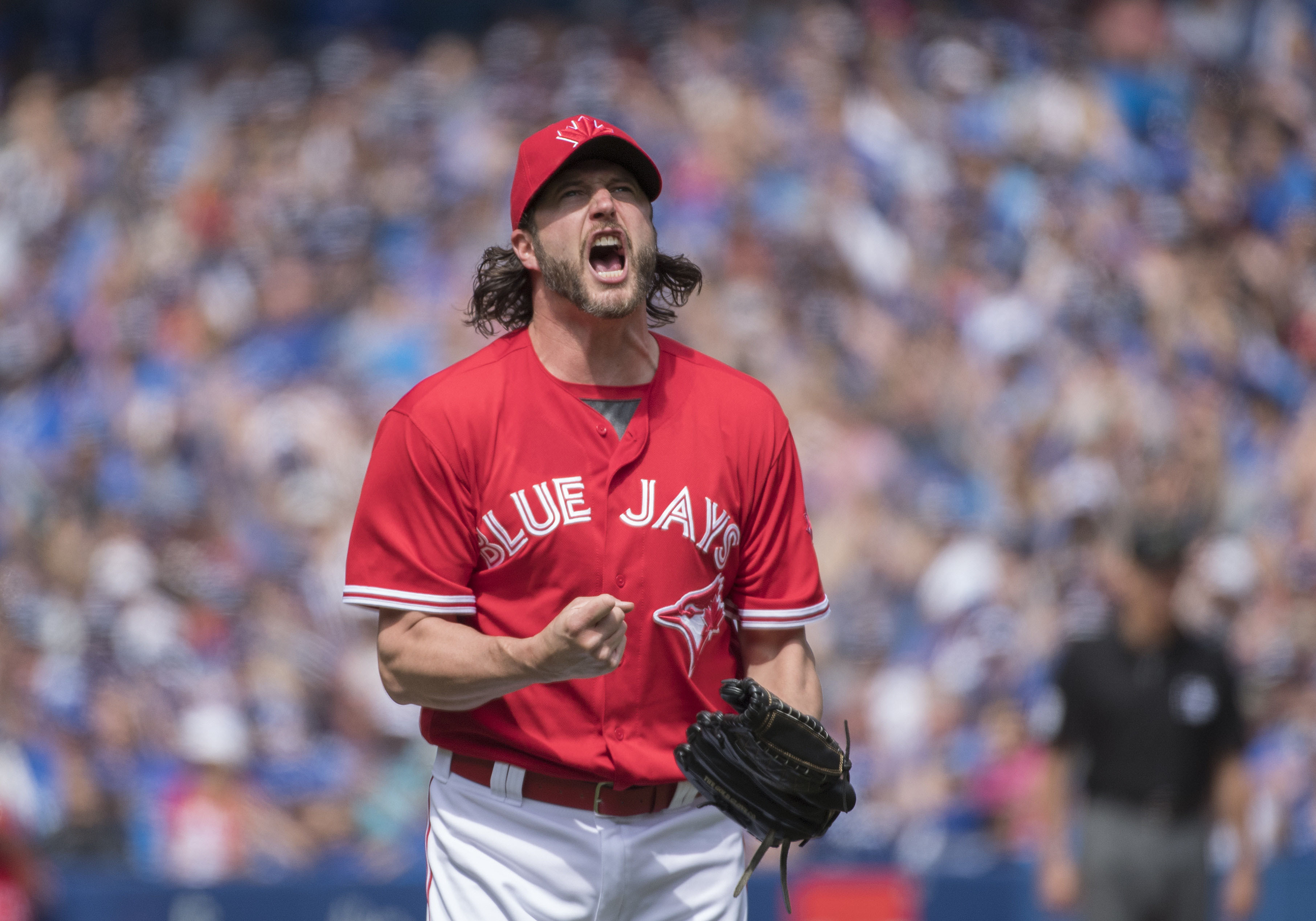 10077870-mlb-texas-rangers-at-toronto-blue-jays