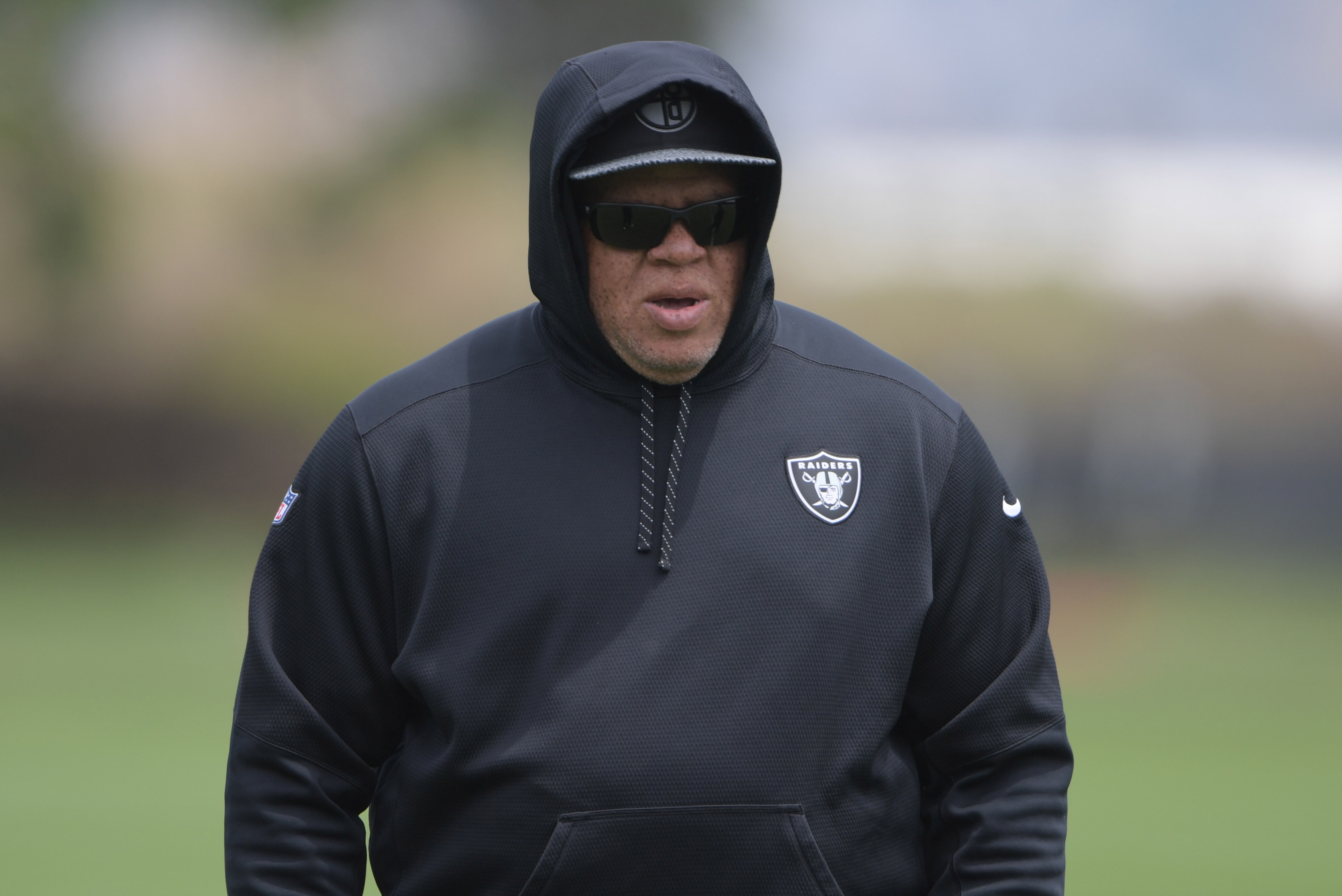 10084129-nfl-oakland-raiders-ota