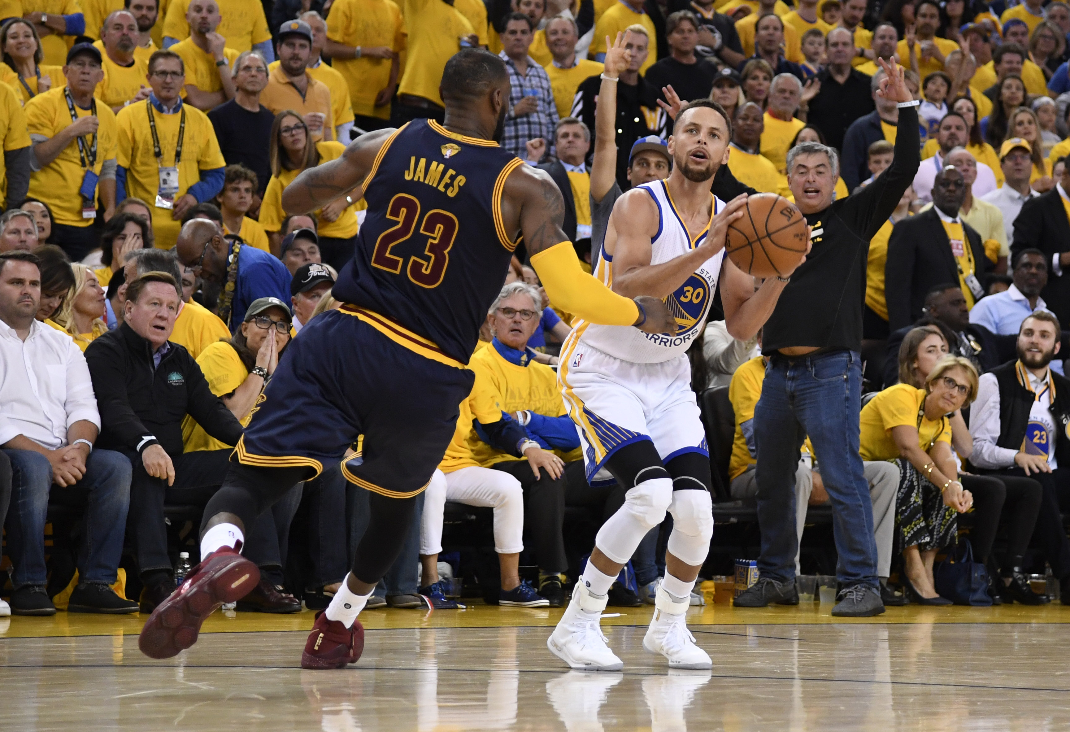 Golden State Warriors: 10 best moments from Game 1 of the NBA Finals - Page 2