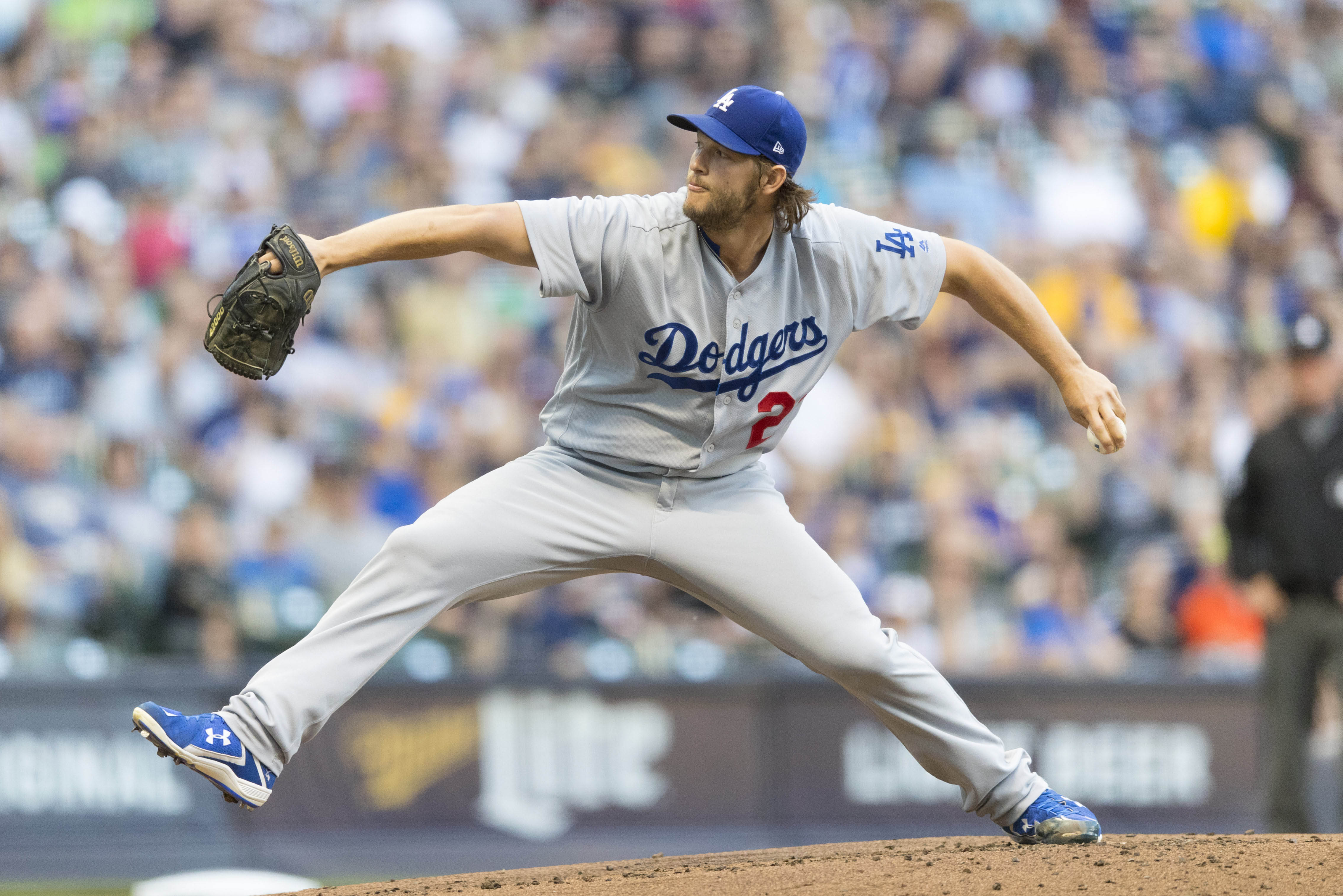 10087031-mlb-los-angeles-dodgers-at-milwaukee-brewers