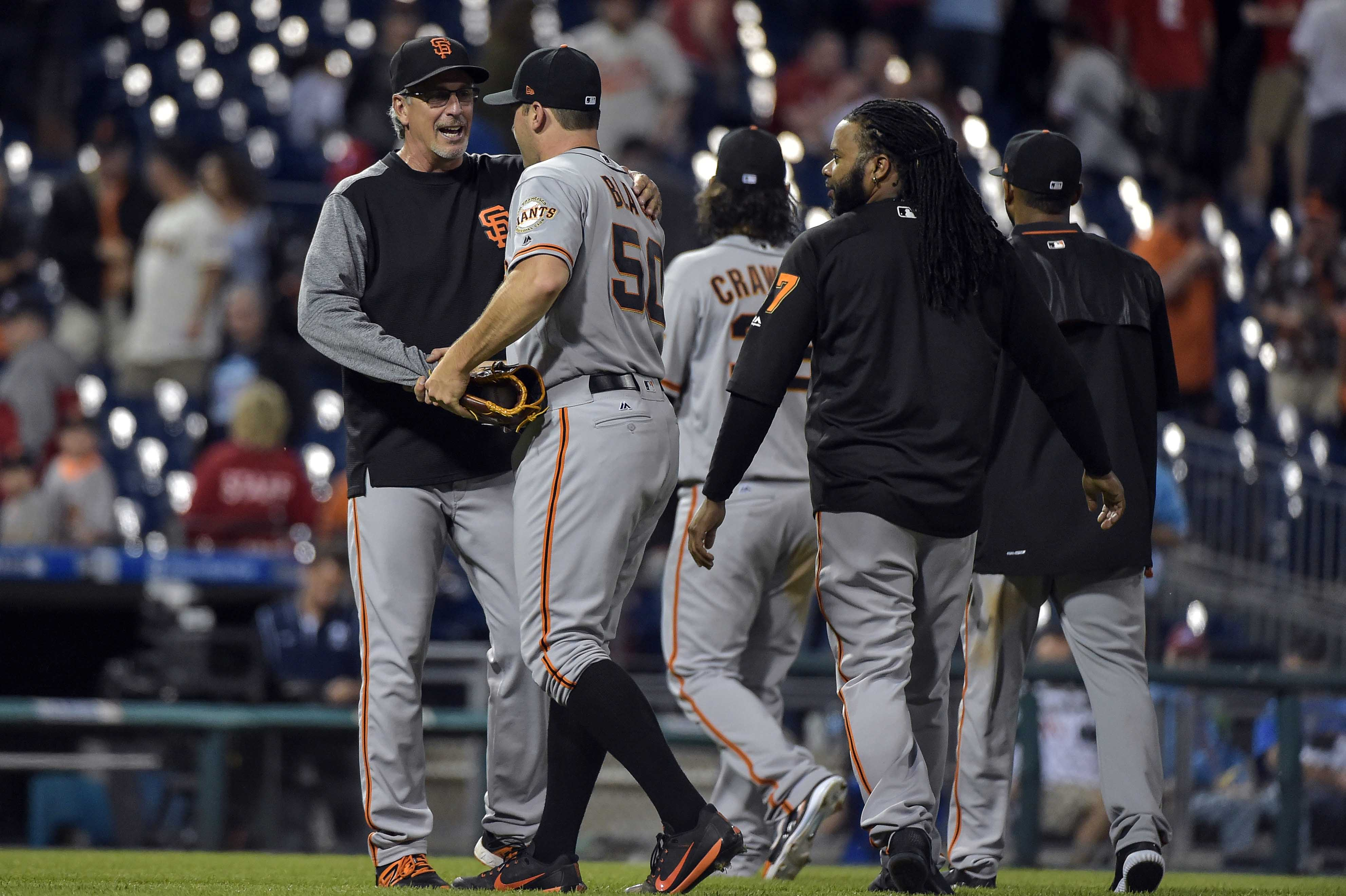 10087201-mlb-san-francisco-giants-at-philadelphia-phillies