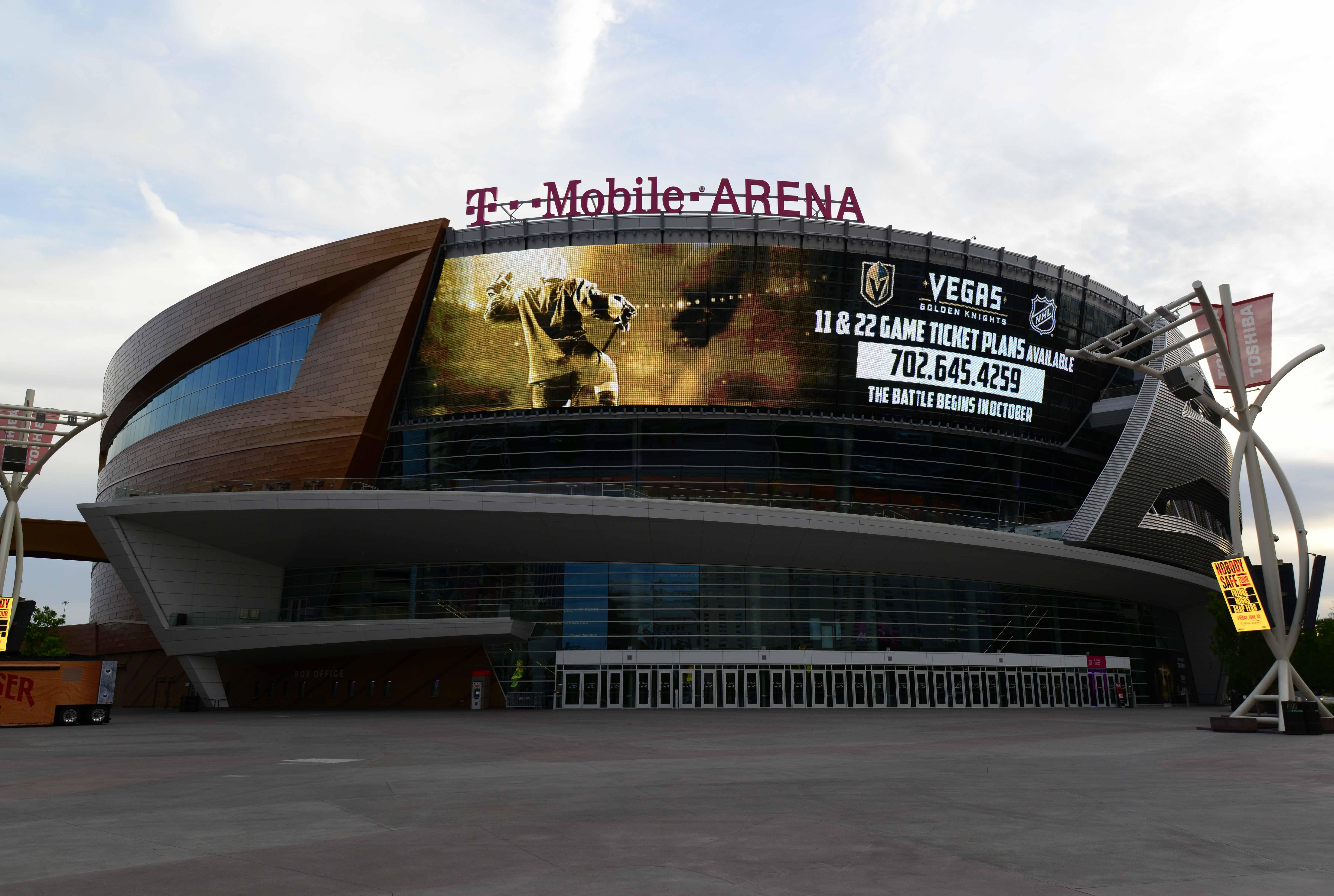 10089876-nhl-t-mobile-arena-views