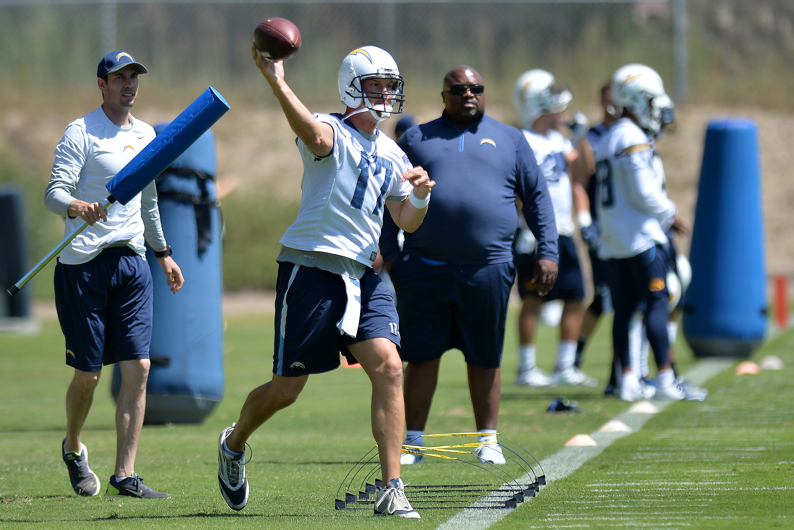 10107642-nfl-los-angeles-chargers-minicamp